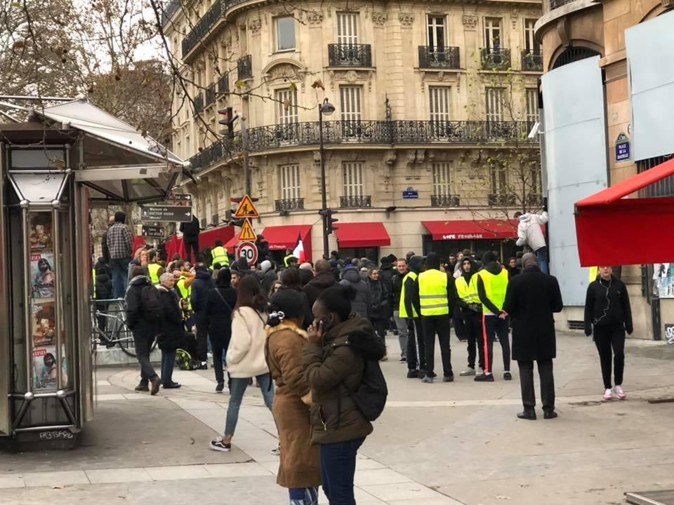 2018-12-08 Gilets jaunes Bastille 1.jpg