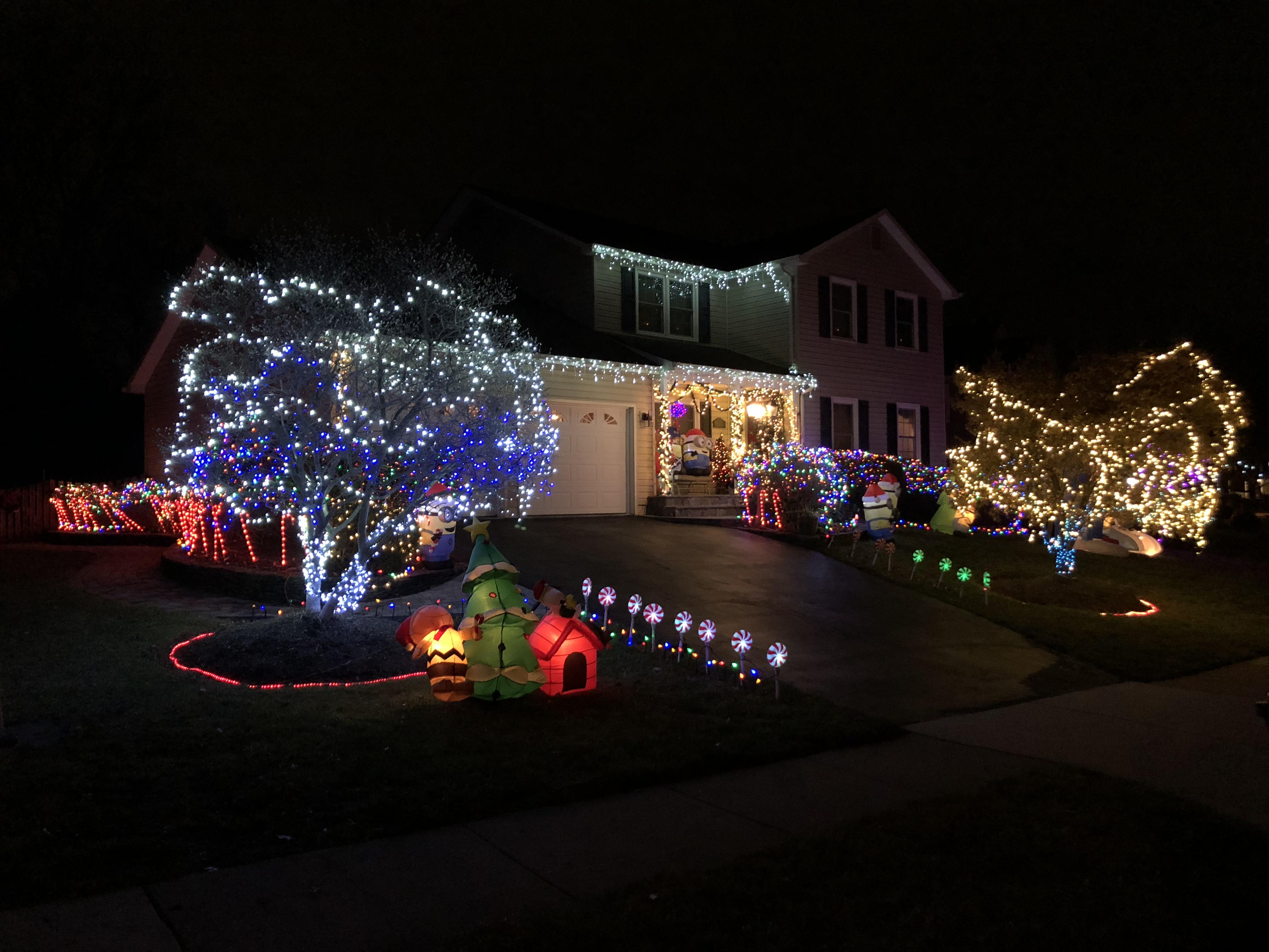 Christmas Lights Near Me 2020 Houses File:2020 01 02 19 27 53 A display of Christmas lights and