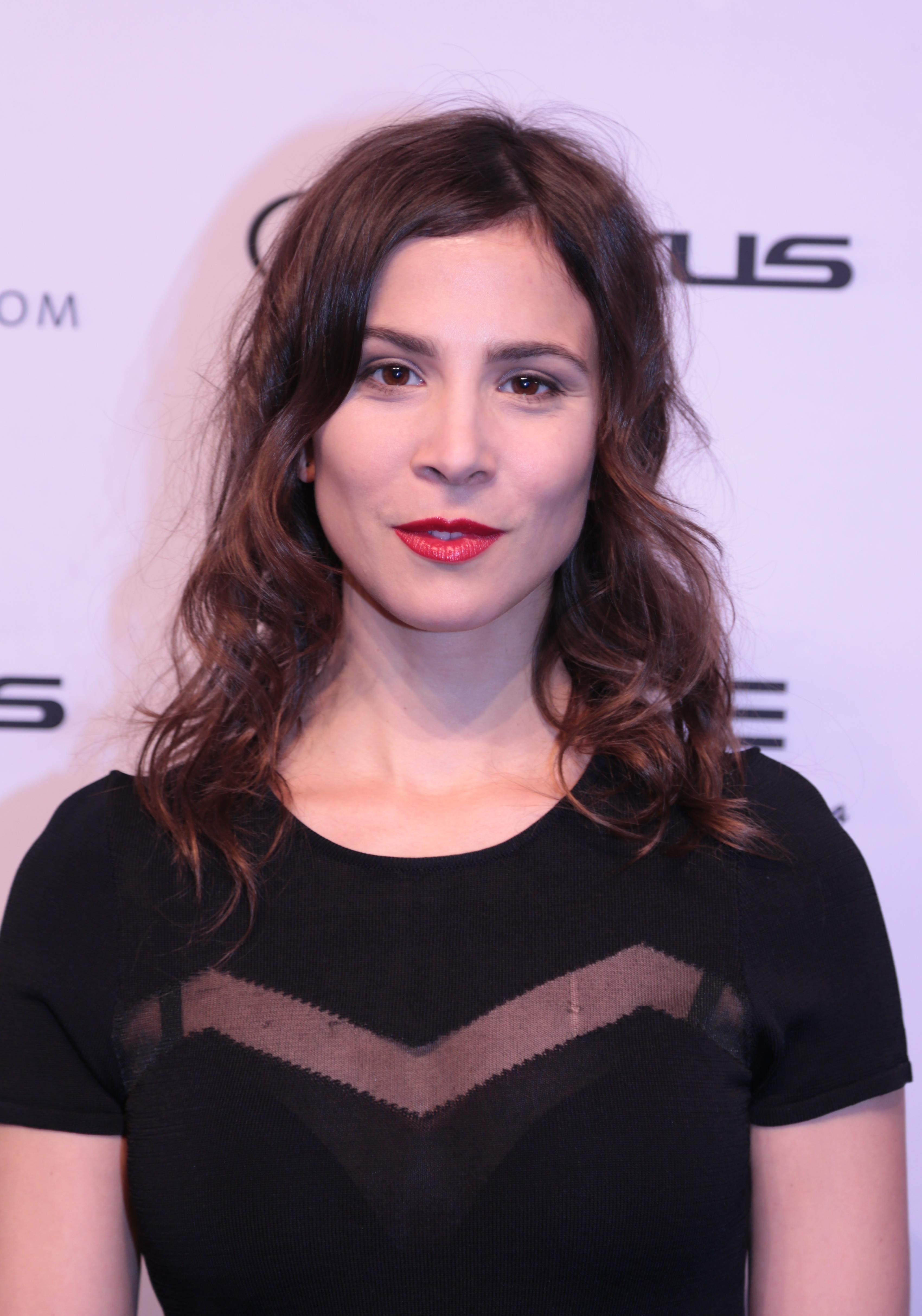 """35-letnia  167 cm wzrostu Aylin Tezel na zdjęciu z 2019"""""""