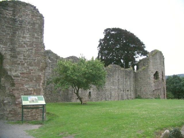 Abergavenny Castle - geograph.org.uk - 23974