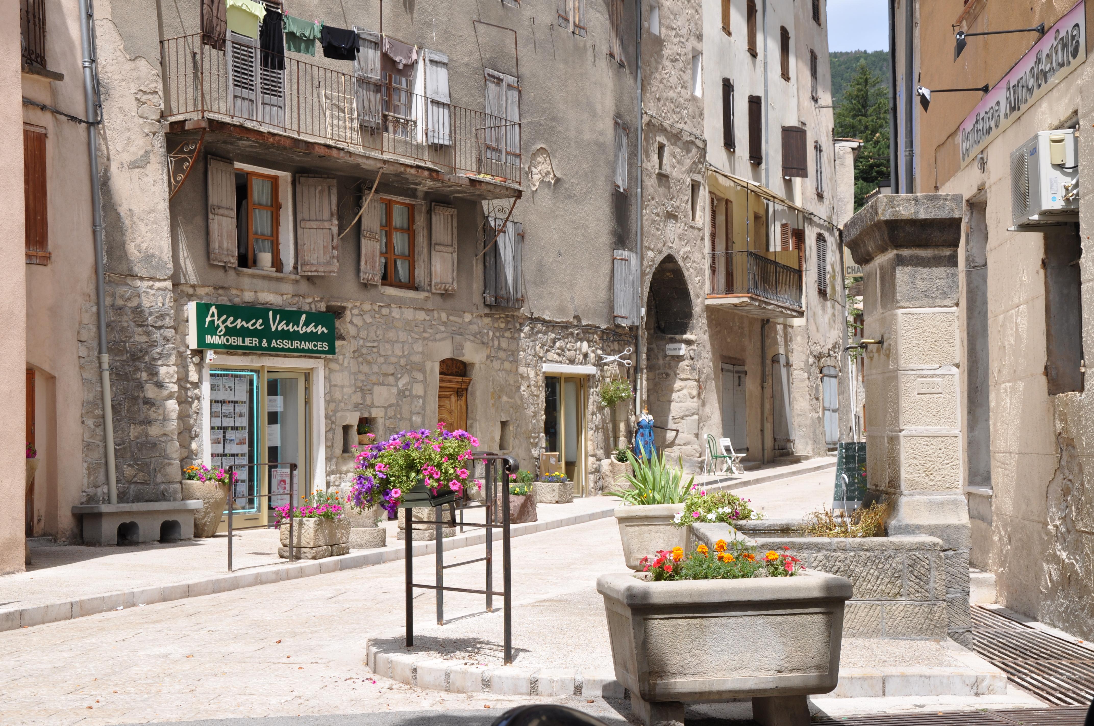 Restaurant La Reine Jeanne Hyeres Menu