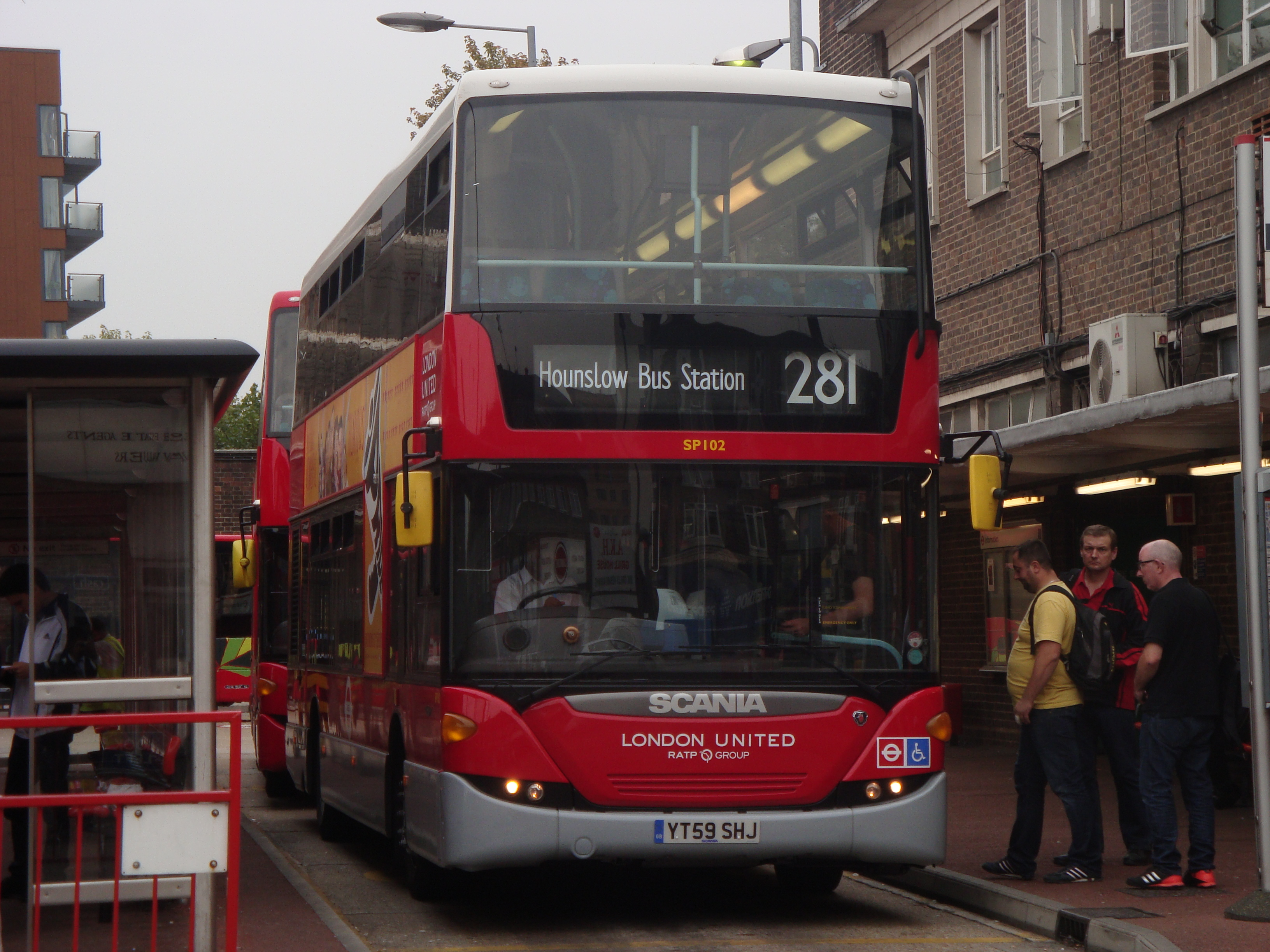 file:au morandarte flickr london united sp102 (2000s lu livery) on