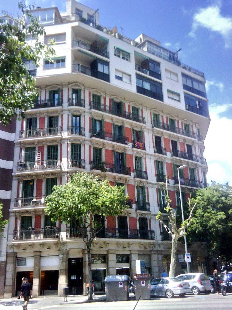 File bcn arago339 wikimedia commons for Arquitectura franquista