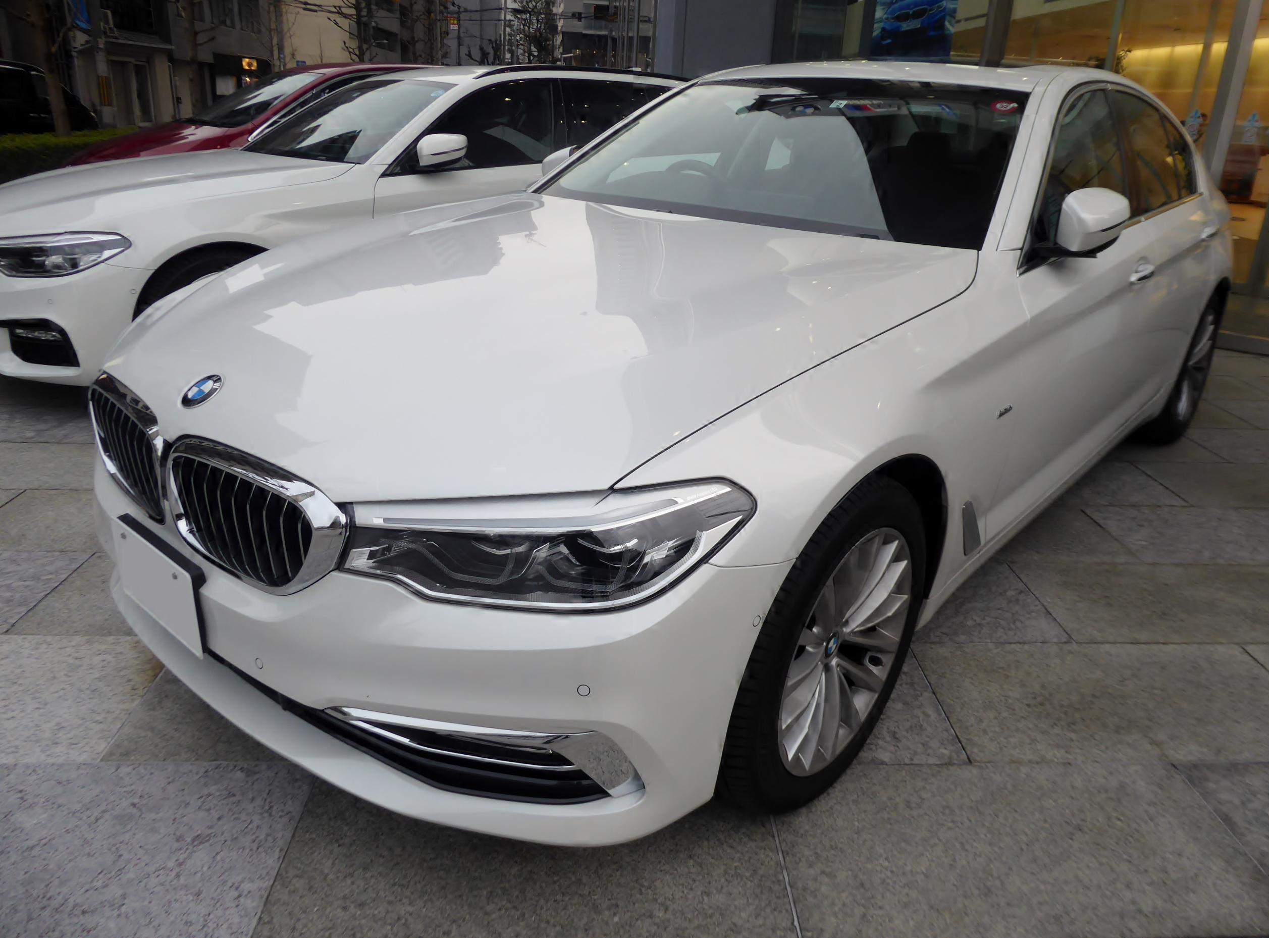 File:BMW 523i Luxury (G30) front jpg - Wikimedia Commons