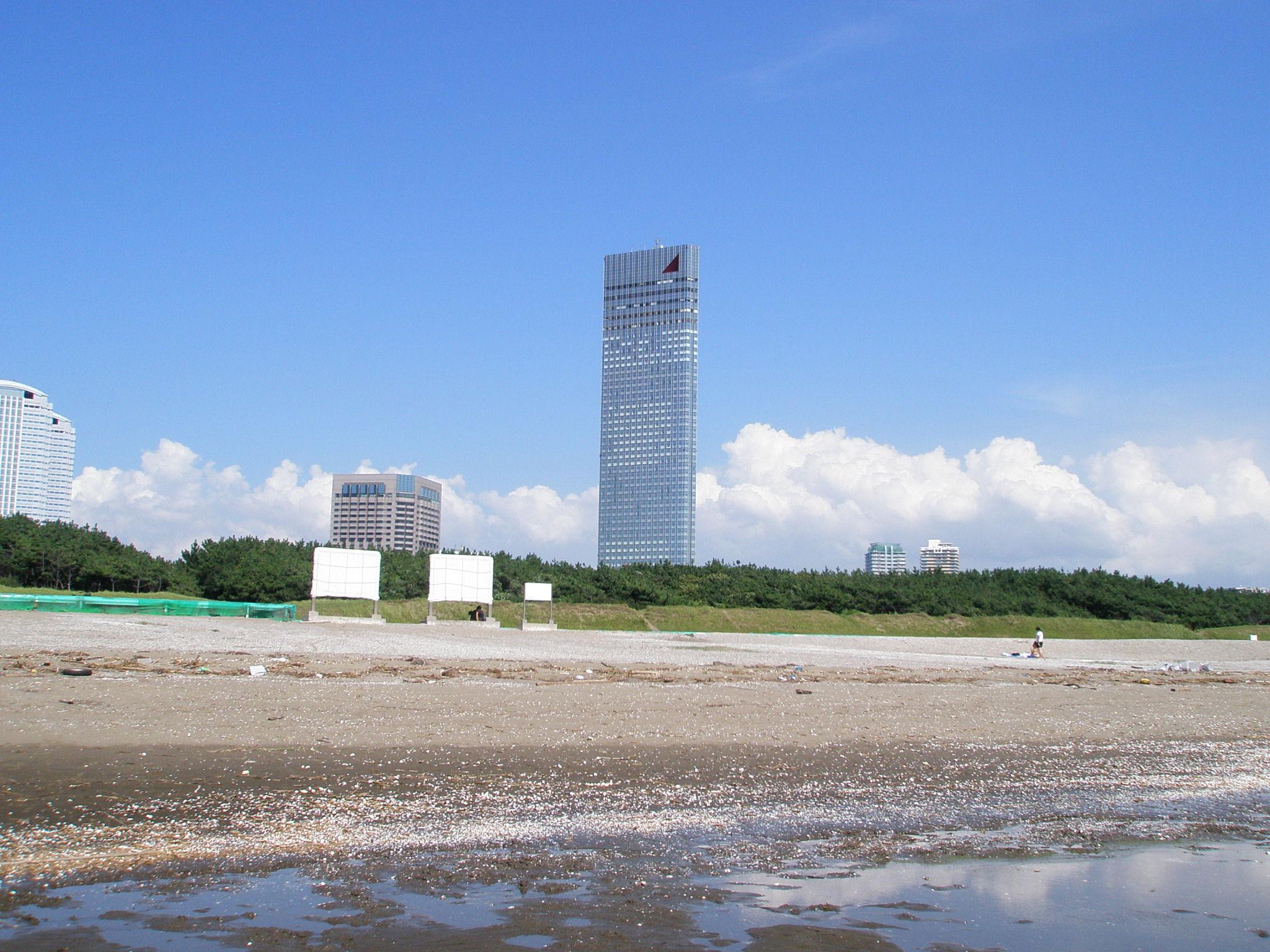 ファイル beach of makuhari with apa hotel jpg wikipedia