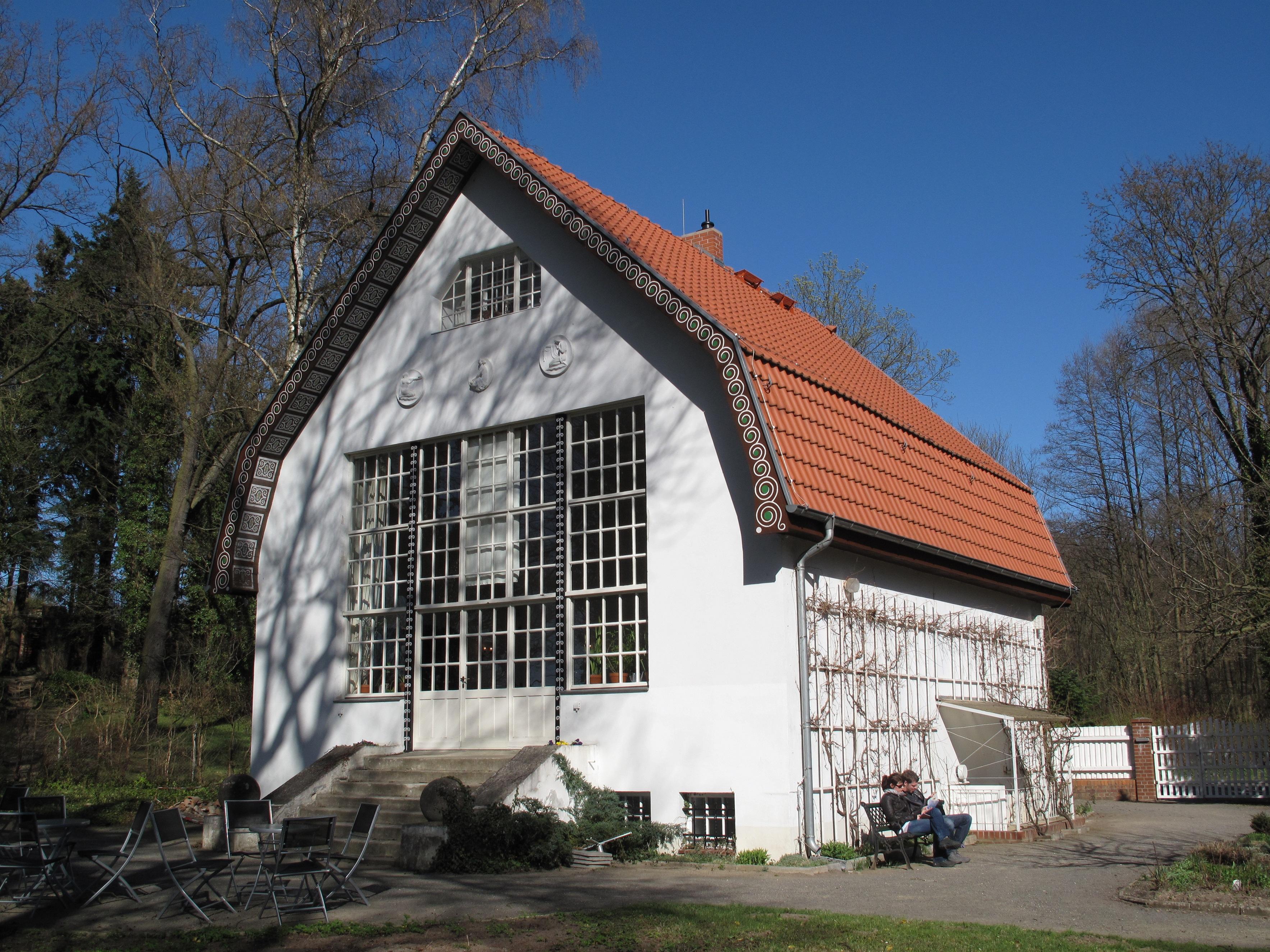File:Brecht-Weigel-Haus Buckow 02.jpg