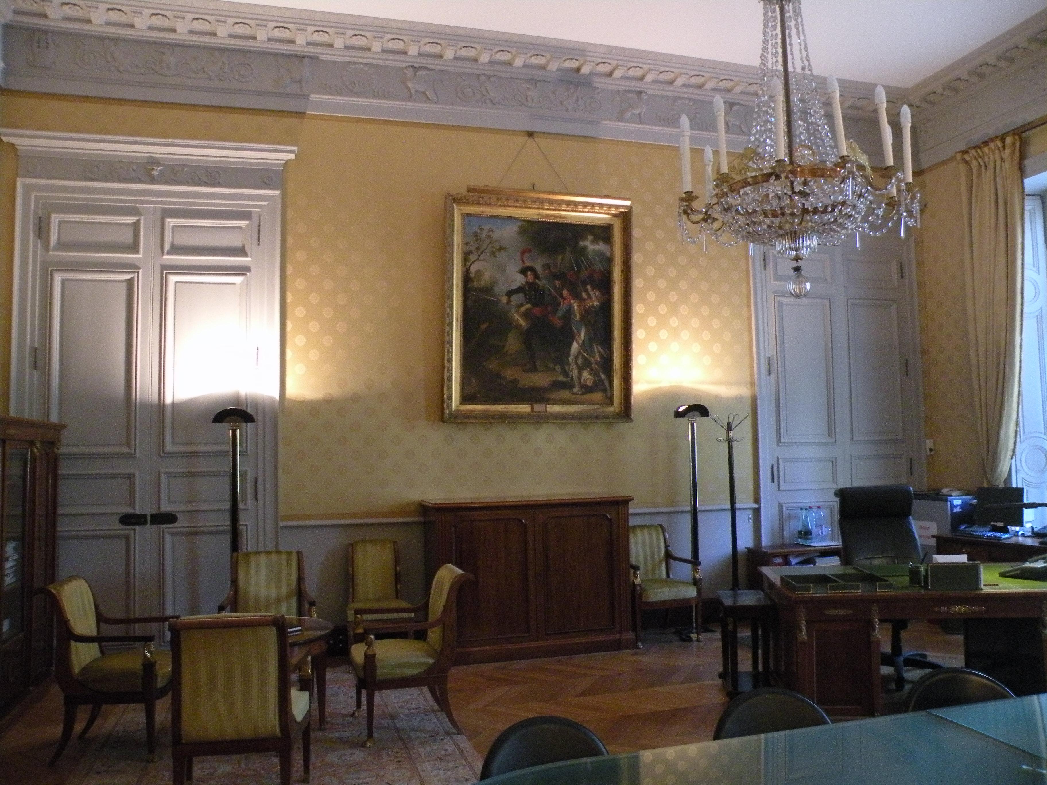 File Brienne Bureau Directeur Cabinet Adjoint 2 Jpg Wikimedia Commons