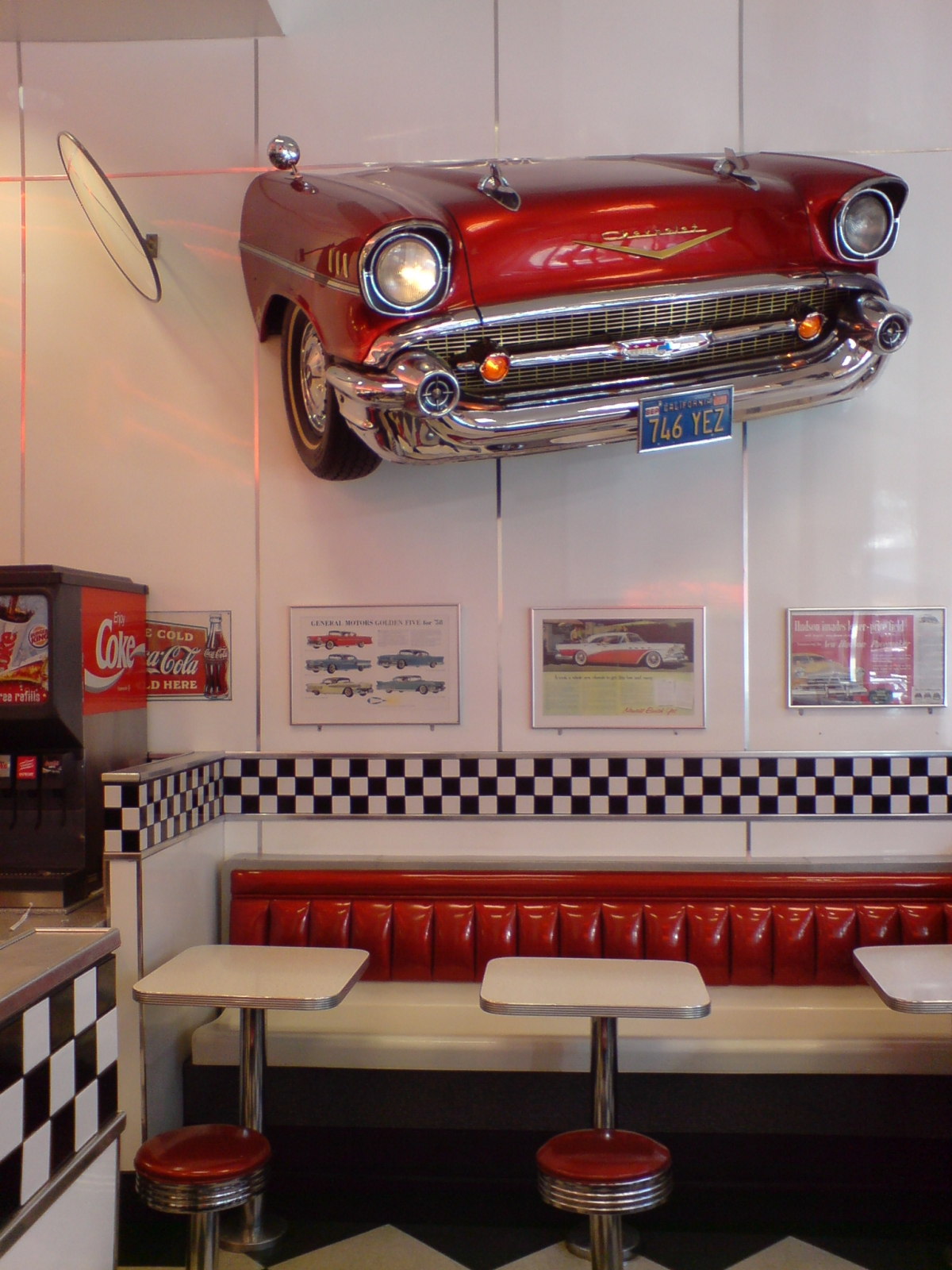 File burger king pseudo 1950s american for American classic diner