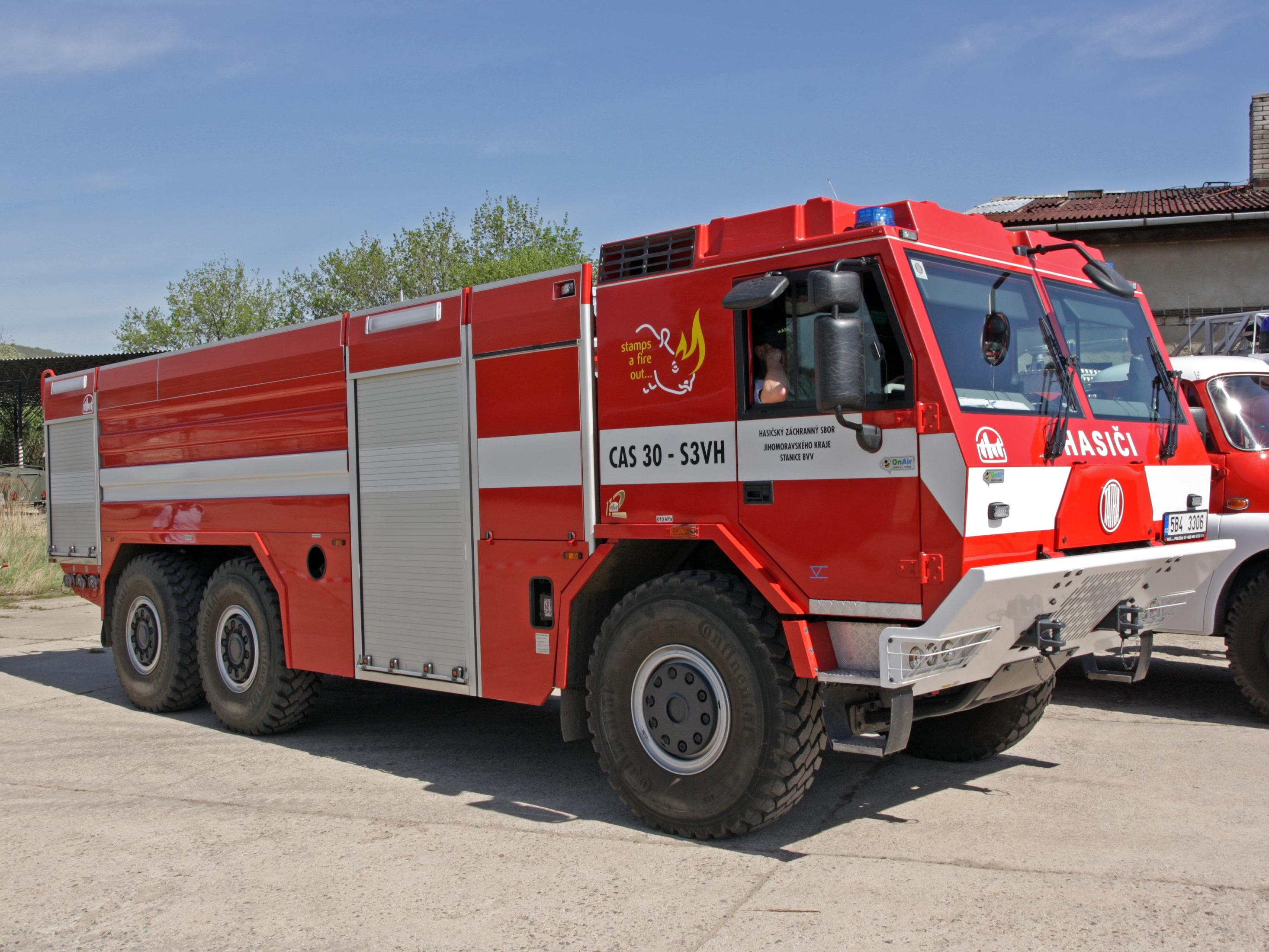 File:CAS 30 - Tatra 815-7 TMB 2012.jpg