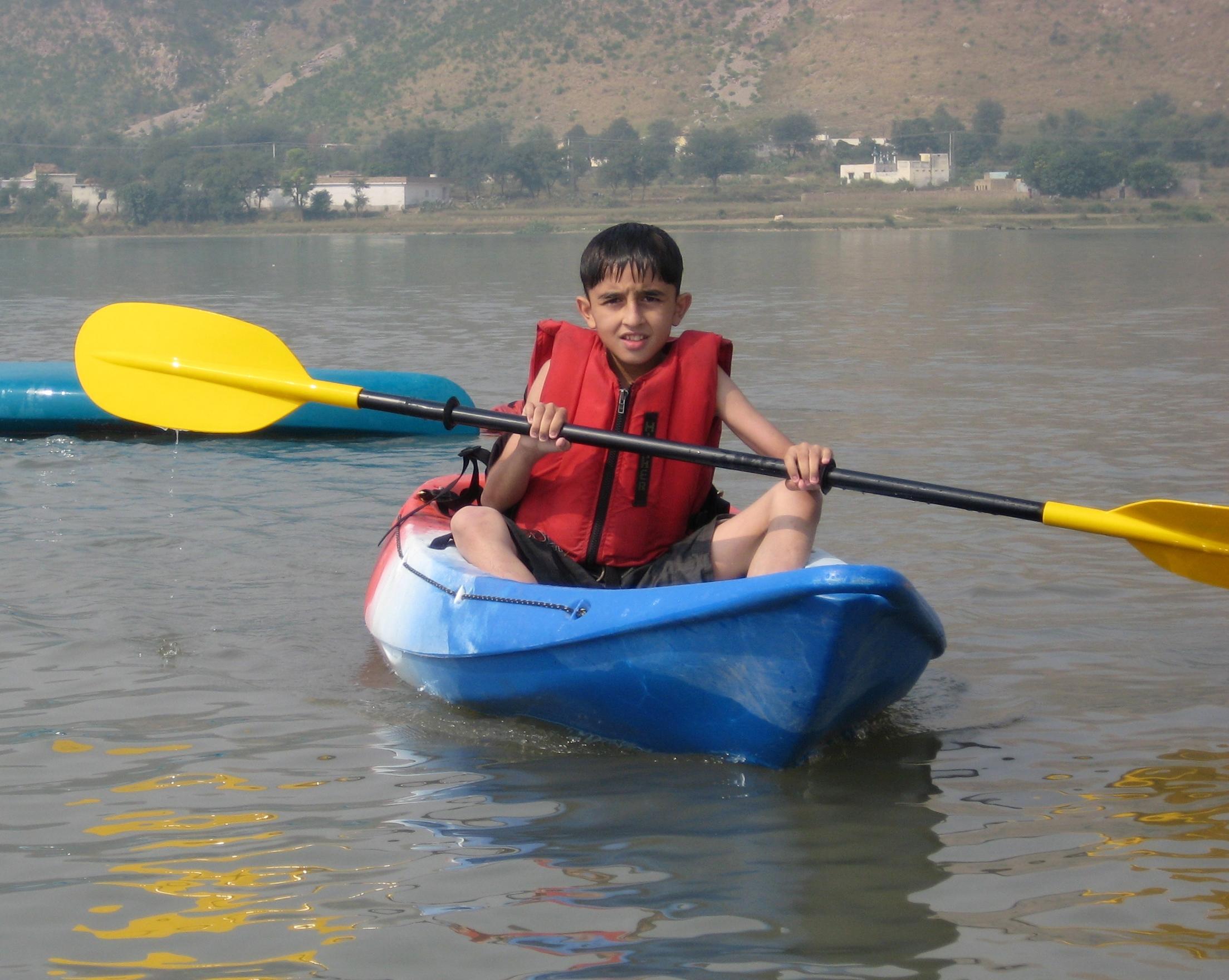 Canoe-01.jpg
