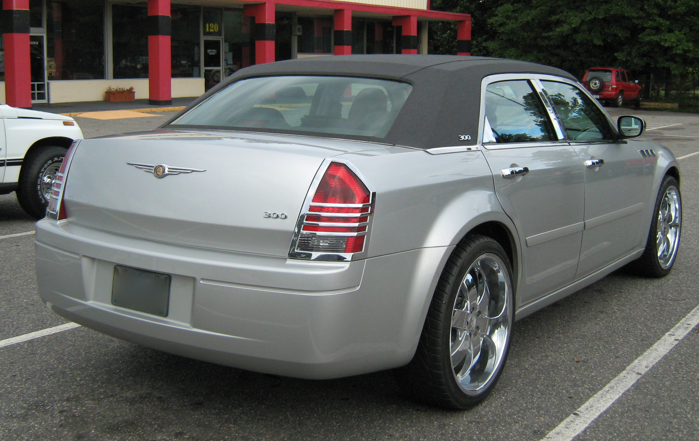 File Chrysler 300 Customized And Vinyl Roof Jpg