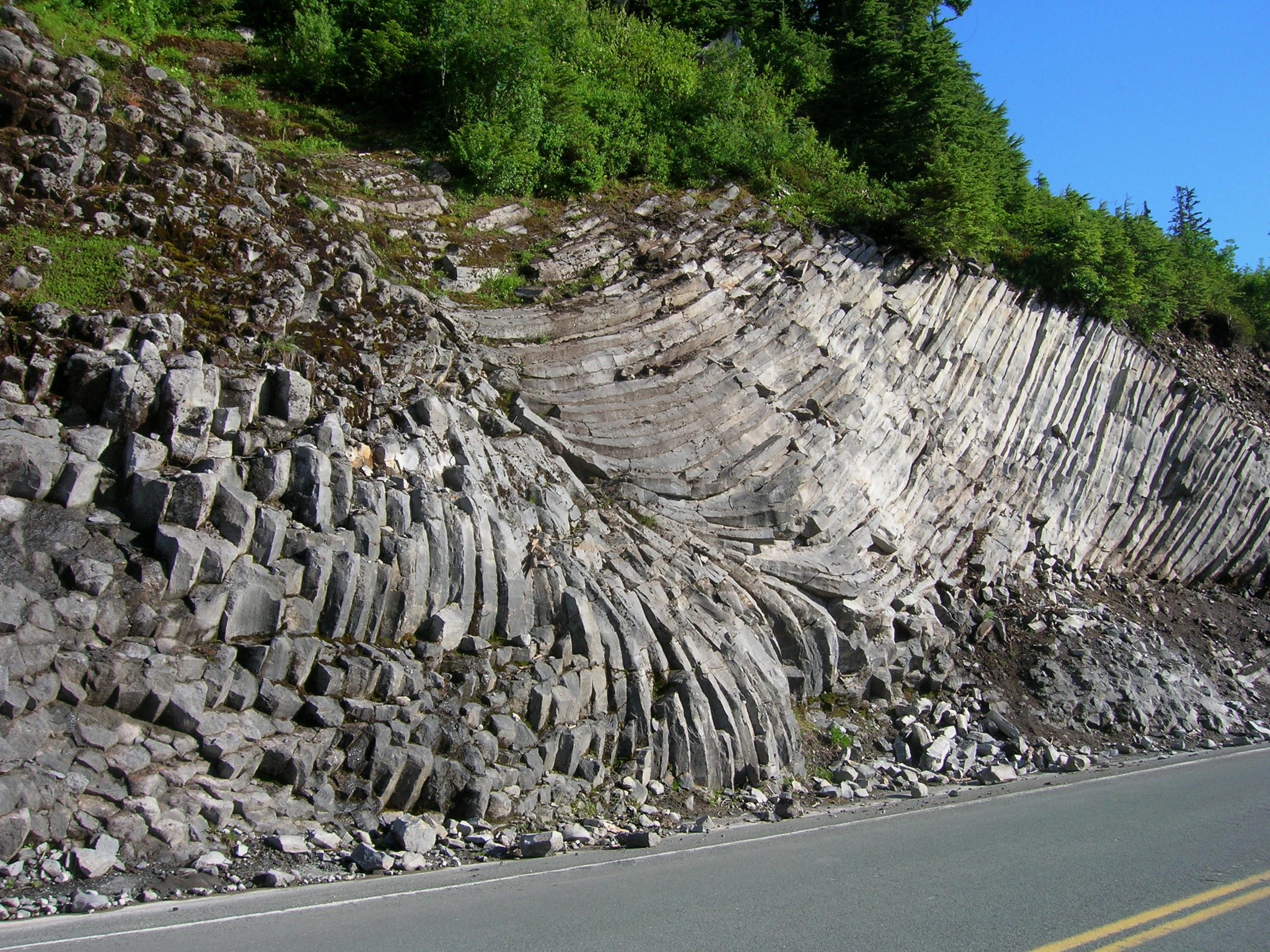 Description Of Basalt : File columnar basalt g wikimedia commons