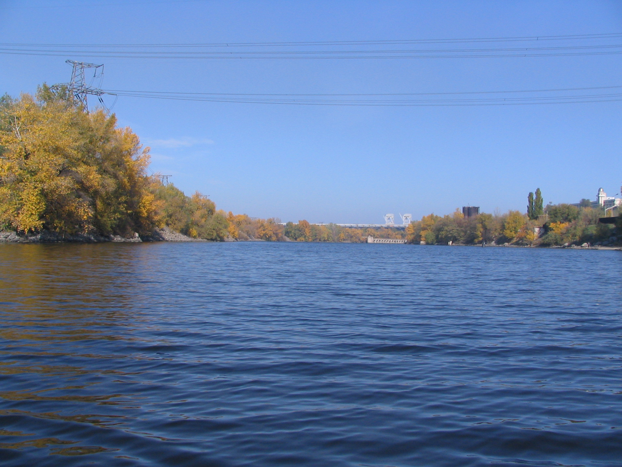 Description Dnieper River in Zaporizhia 1050.jpg