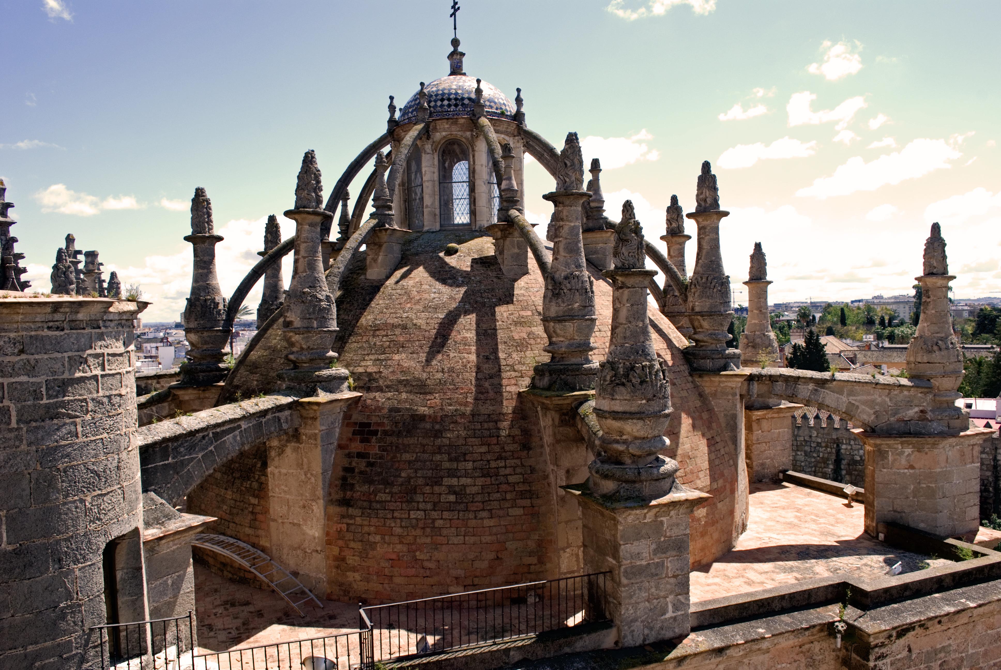 File exterior de la c pula de la sacrist a mayor for Exterior catedral de sevilla
