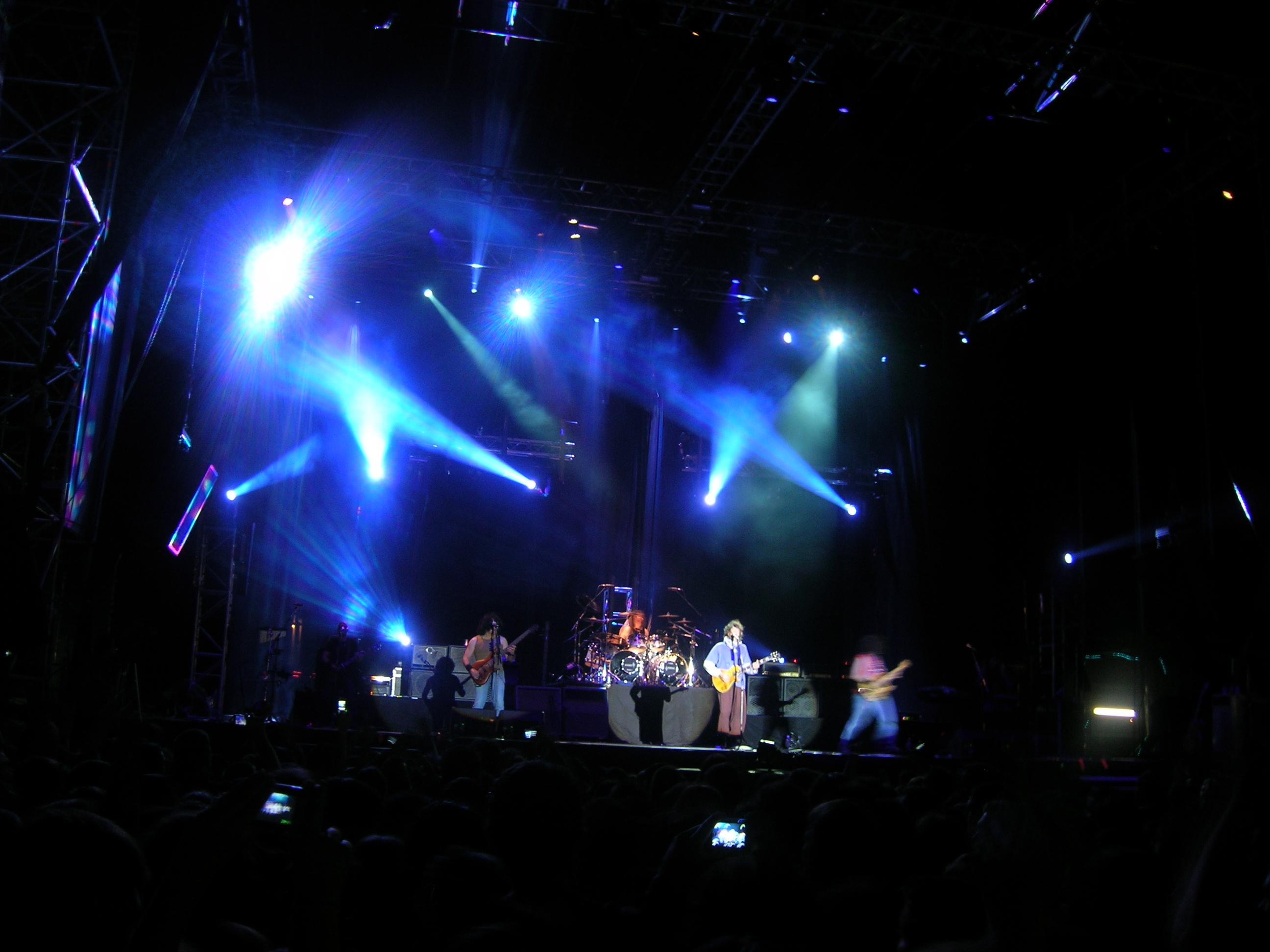 Extremoduro actuando en Getafe en 2008.