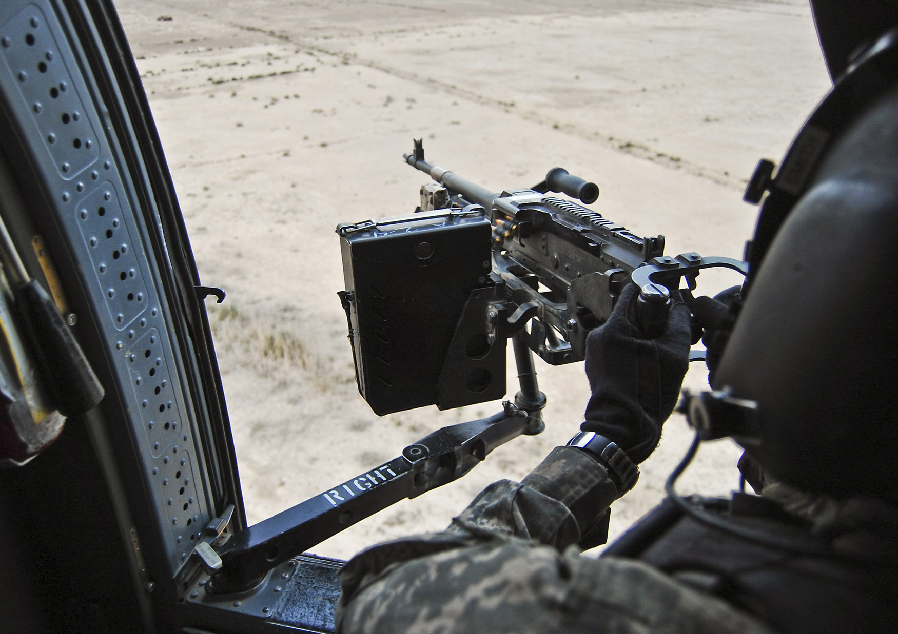 FileFlickr - The U.S. Army - door gunner qualification.jpg & File:Flickr - The U.S. Army - door gunner qualification.jpg ...