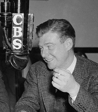 English: Arthur Godfrey at CBS microphone, 1938