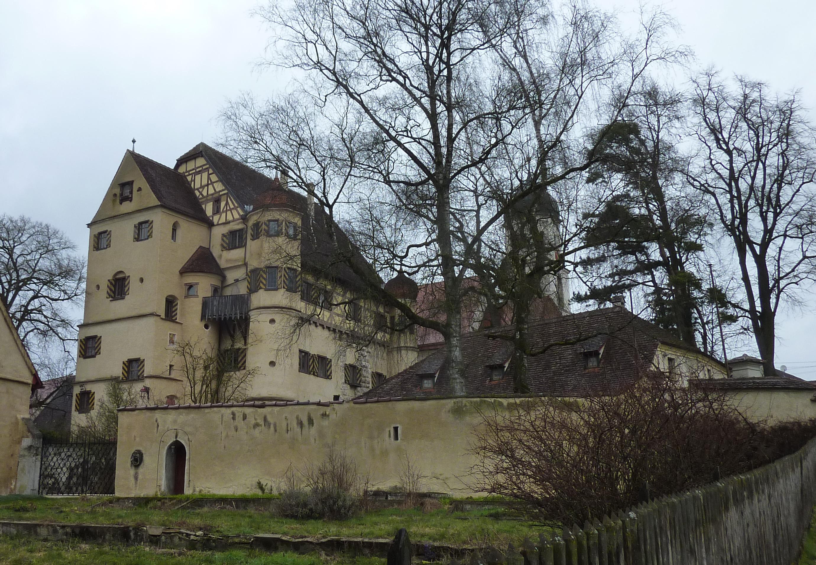 Datei:Grüningen-Oberes-Schloss.jpg – Wikipedia Hornstein