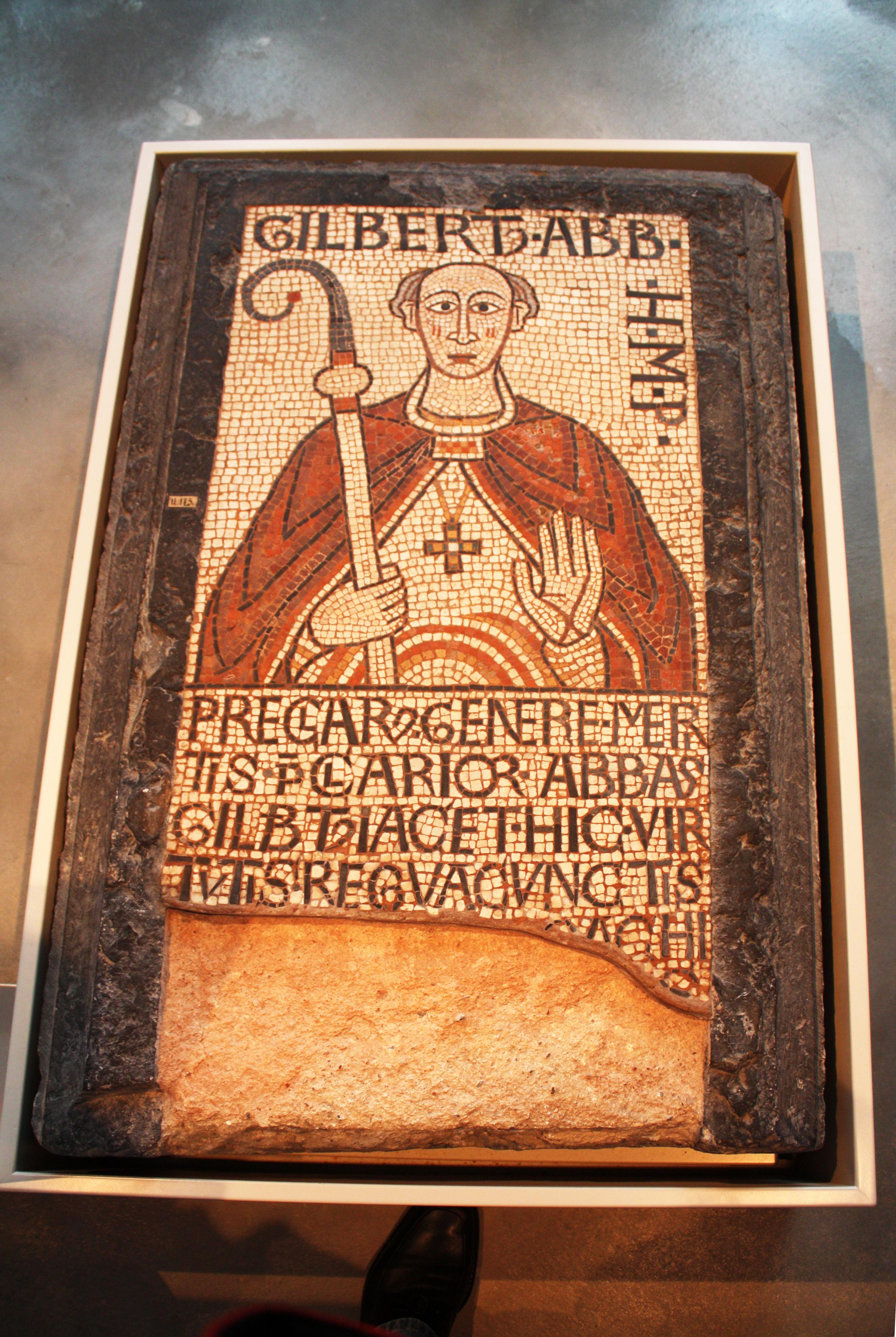 FileGrabplatte Abt Gilbert Kloster Maria Laachjpg