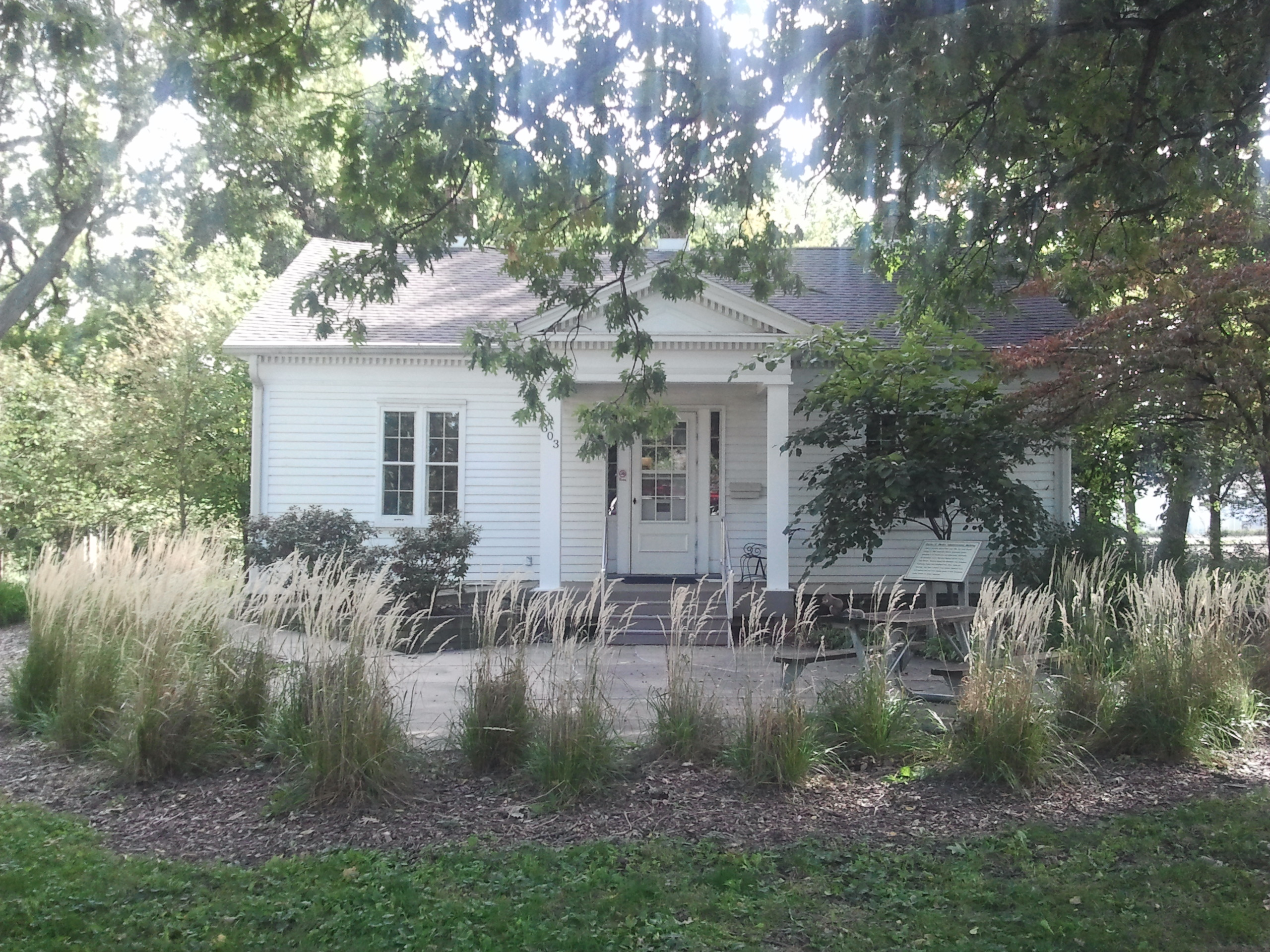 filegreek revival cottage 2012 09 30 15 07 22 - Greek Revival Cottage