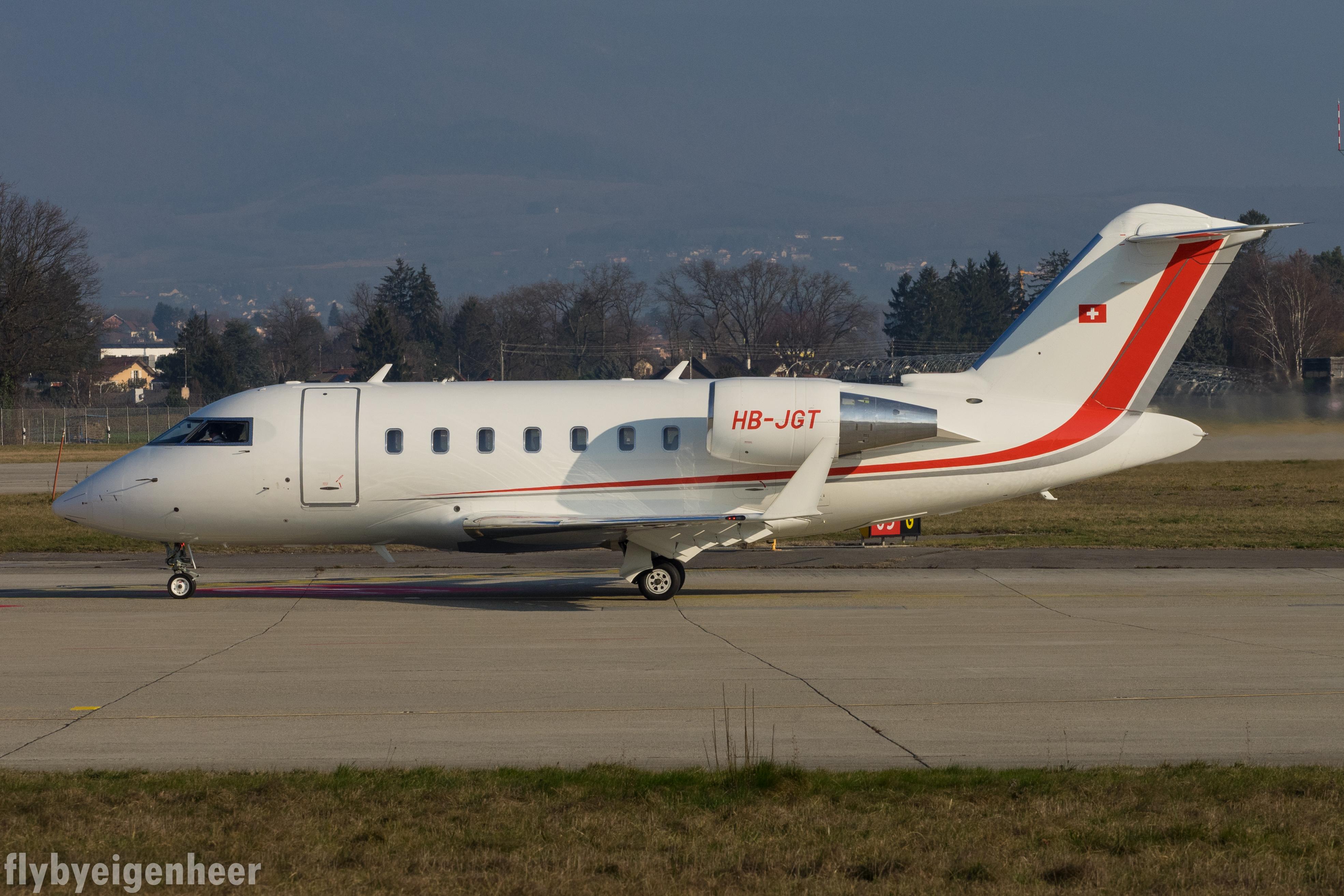 File:HB-JGT Bombardier CL-600-2B16 Challenger 605 CL60 - Scintilla