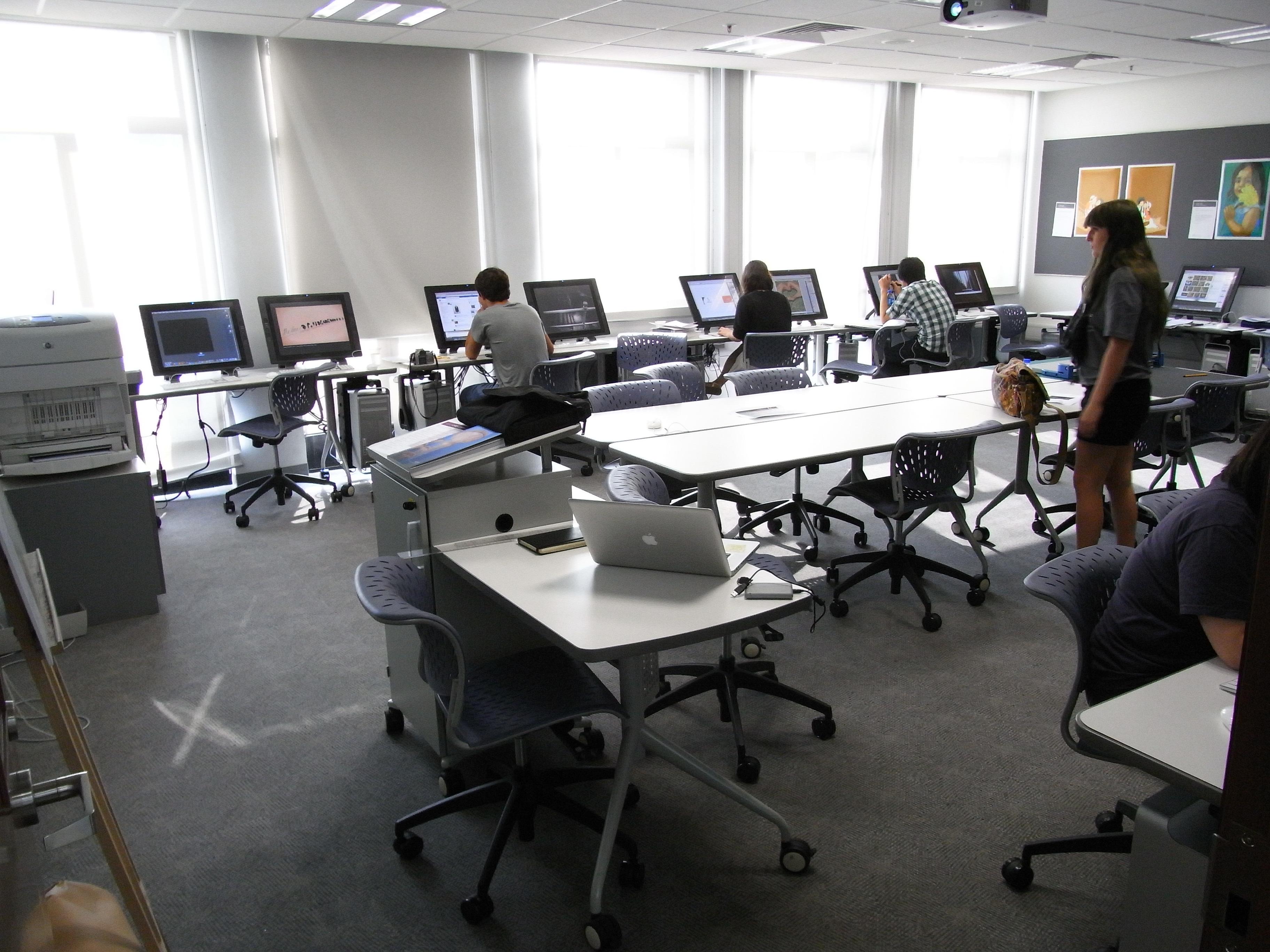 Room Size Computer Hong Kong Computer Room