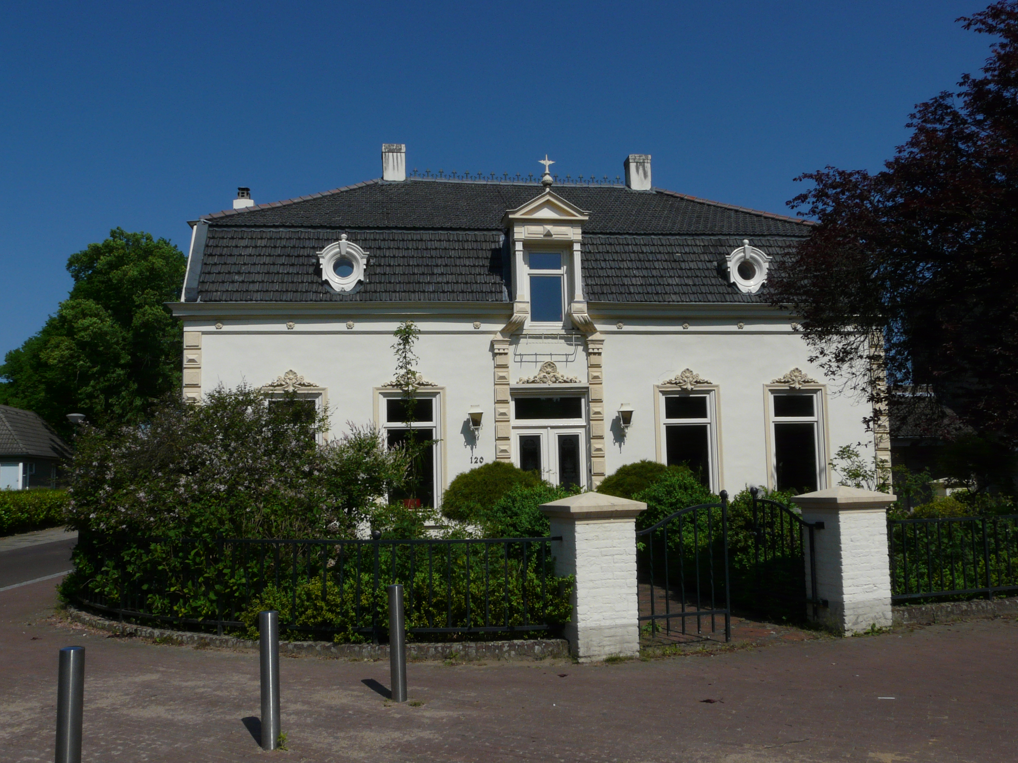 Herenhuis in eclectische stijl in heeze monument for Eclectische stijl interieur