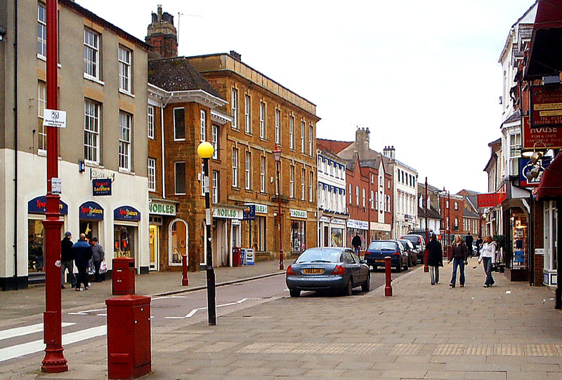 High Street Daventry c2005