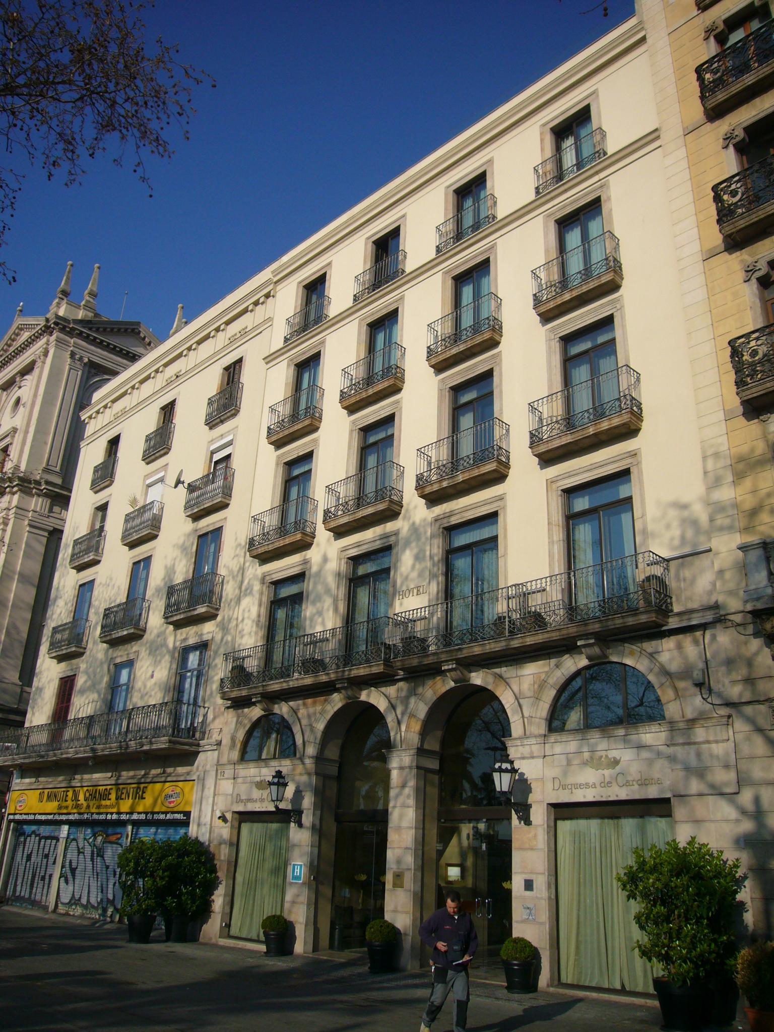 Duquesa de cardona for Ave hotel barcelona madrid