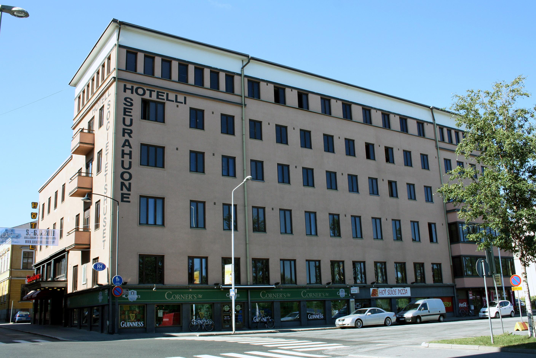 hotelli sisäänkirjautuminen Kannusravintola violetta Helsinki