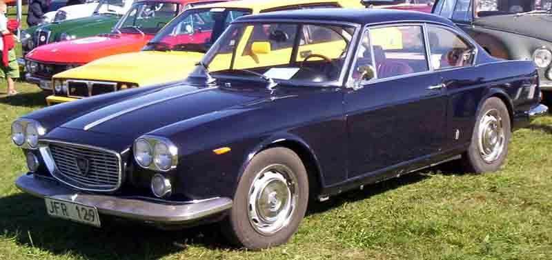 https://upload.wikimedia.org/wikipedia/commons/d/db/Lancia_Flavia_1967.jpg