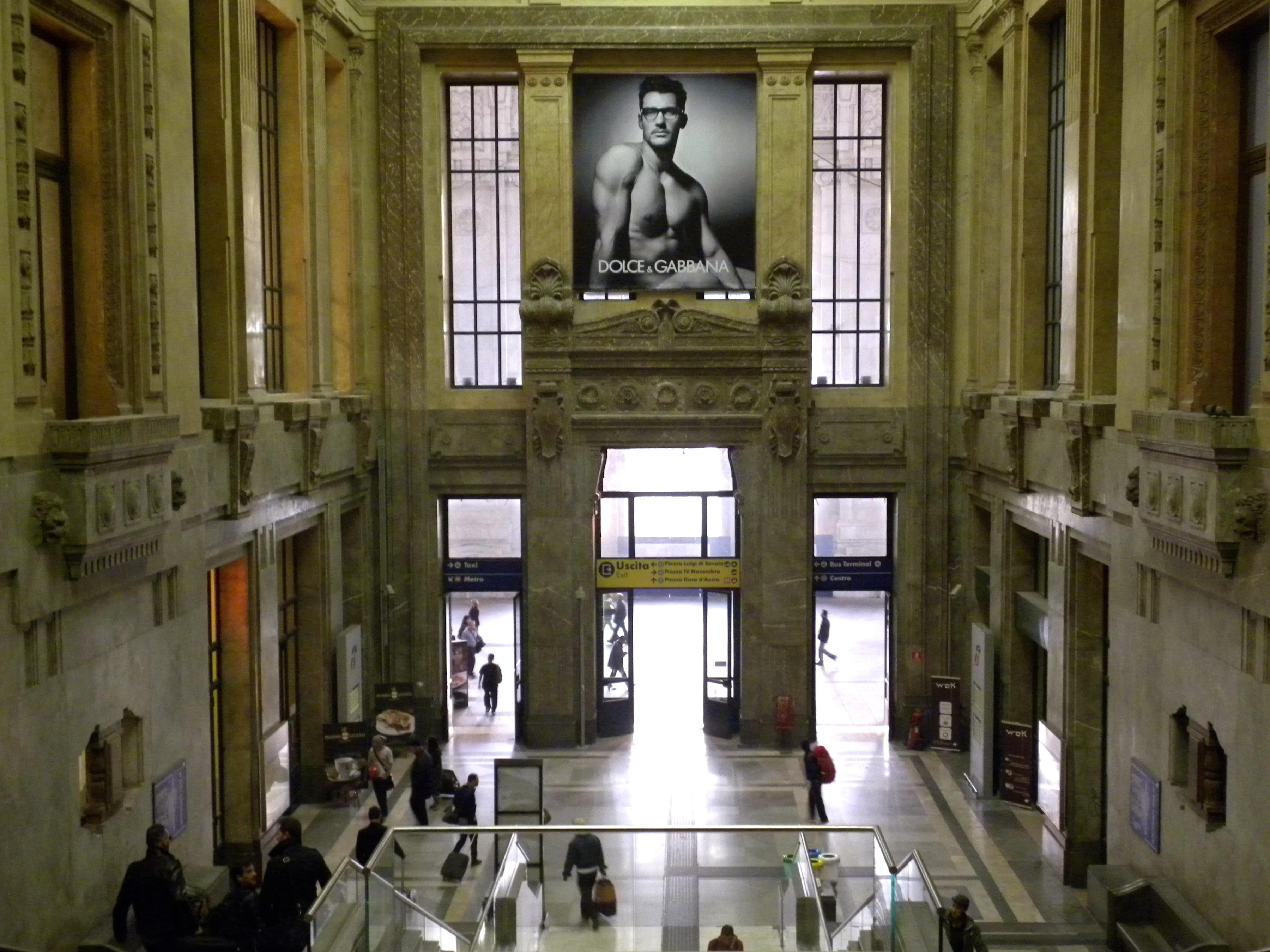 File milano stazione centrale scale for Scale milano