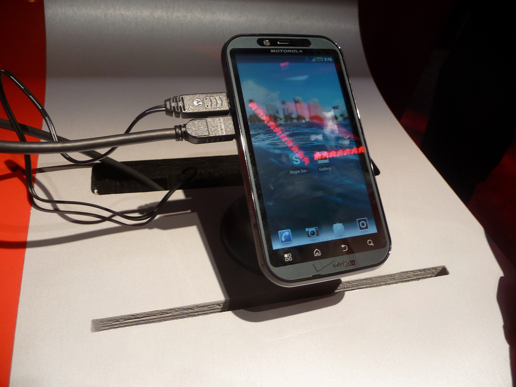 new droid bionic leaked photo motorola droid bionic android