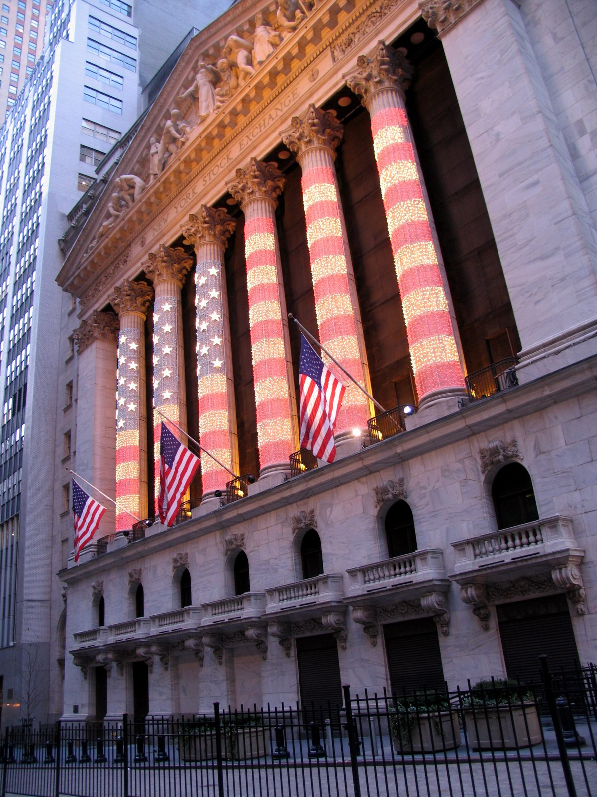 nyse to merge with archipelago  nasdaq to buy instinet
