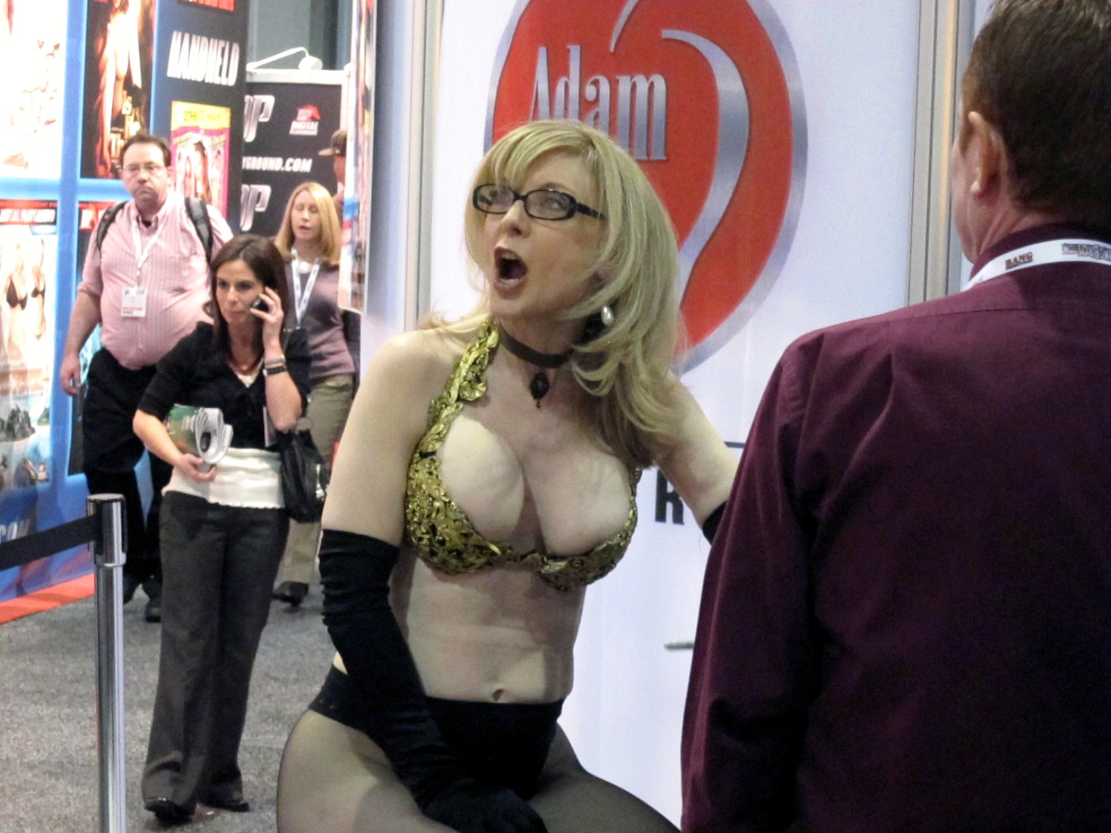 how to contact nina hartley