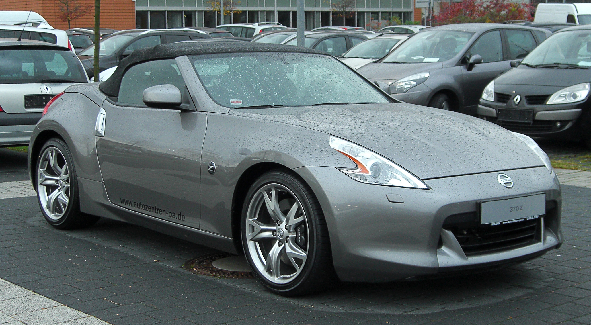 file nissan 370z roadster front wikimedia commons. Black Bedroom Furniture Sets. Home Design Ideas