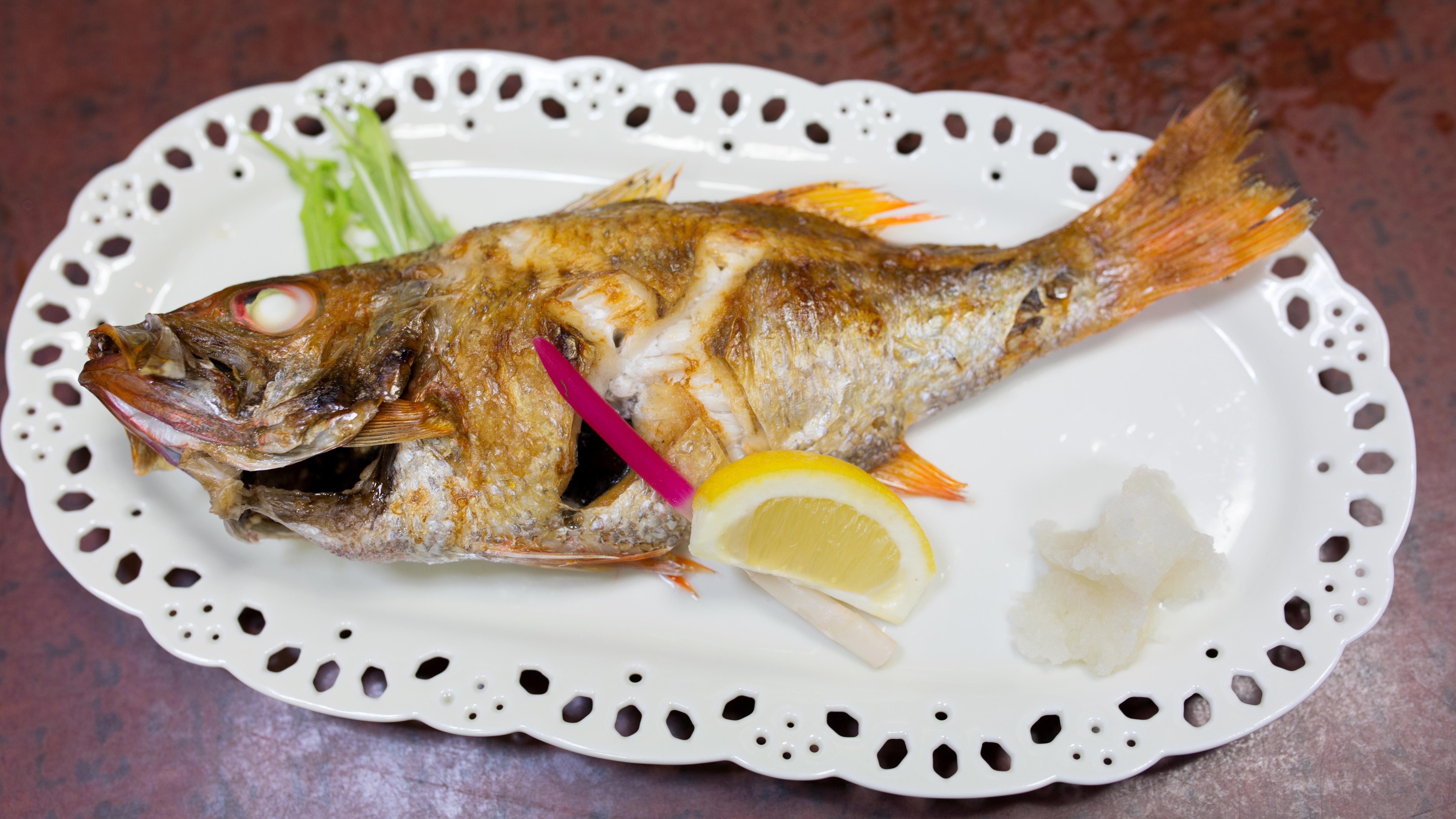 Nodoguro grilled with salt, Kappo Uosen, Nagaoka 01.jpg