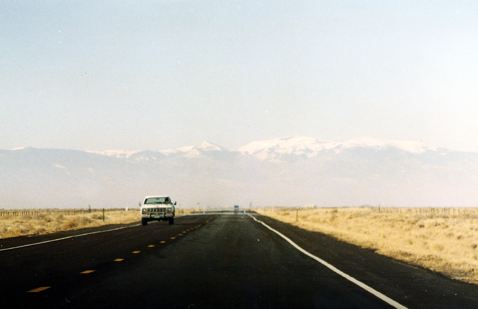 File:On the road, Colorado.jpg - Wikimedia ...
