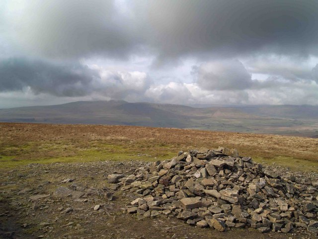 Pen Y Ghent summit - geograph.org.uk - 1204943