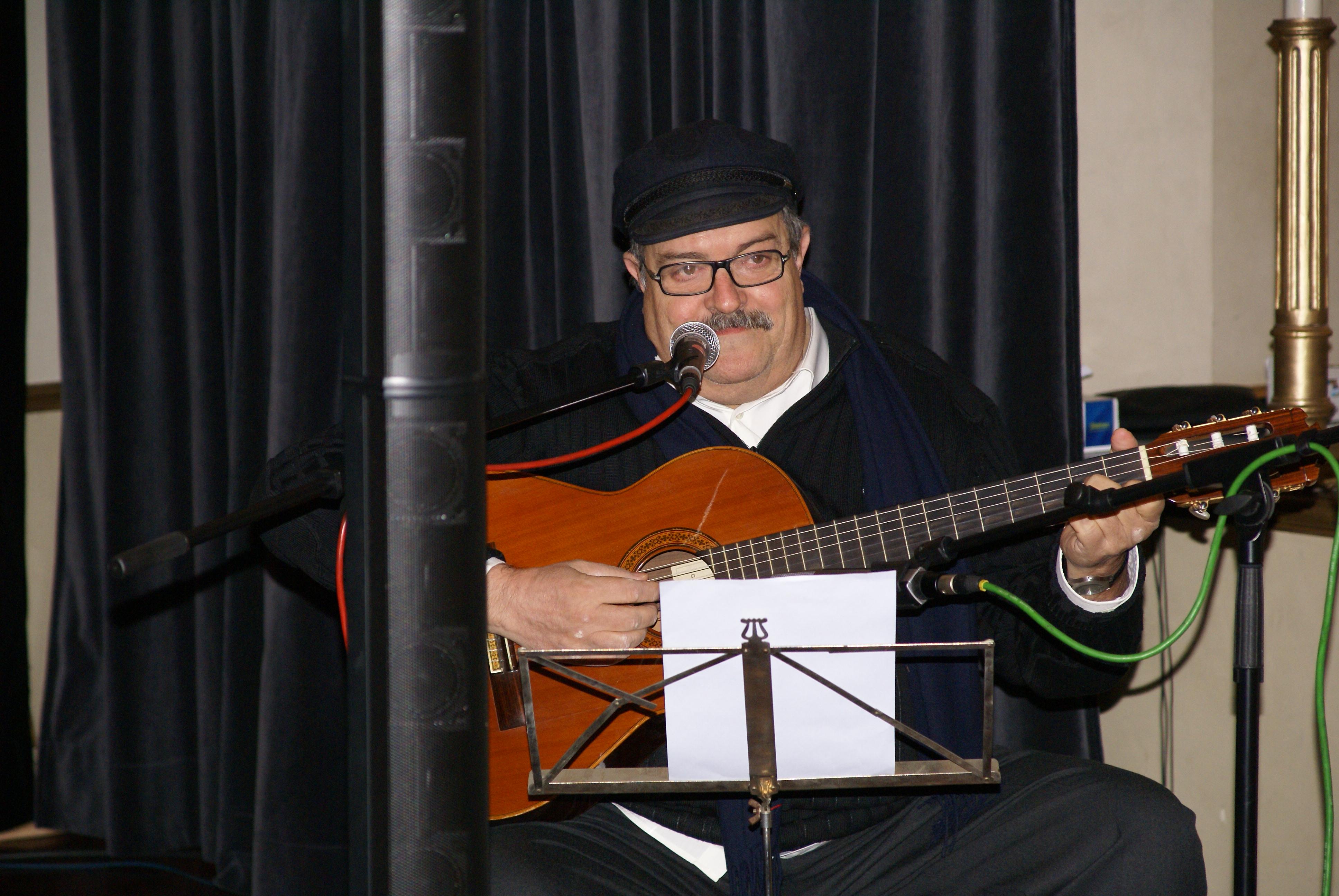 Pere Tàpias en una actuación en Villanueva y Geltrú (2009)