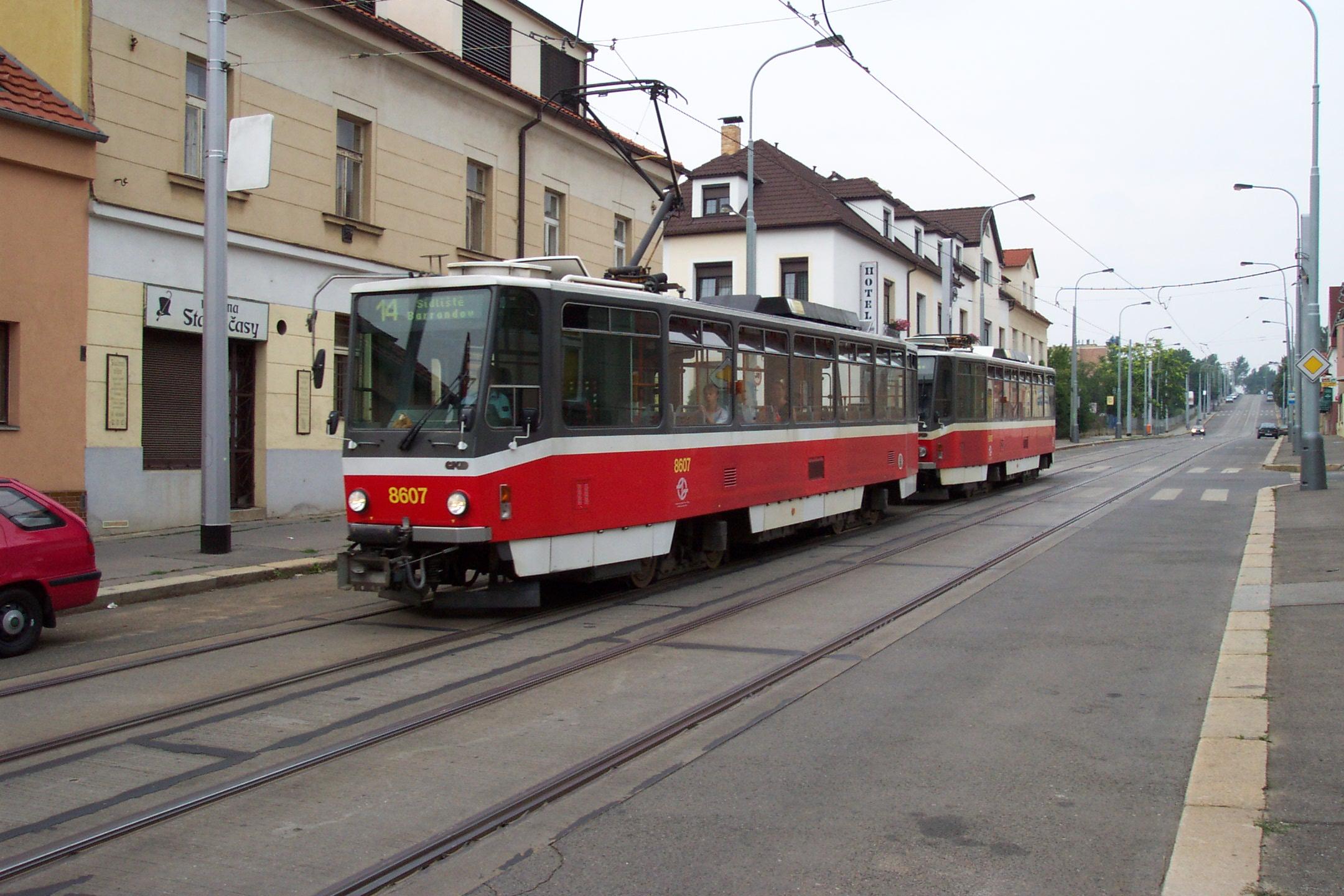 http://upload.wikimedia.org/wikipedia/commons/d/db/Praha%2C_Kobylisy%2C_Tramvaj_T6A5.JPG