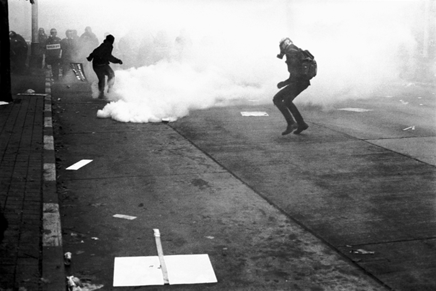File:Protest Ends Riots Begin WTO 1999 by J. Narrin.jpg ...