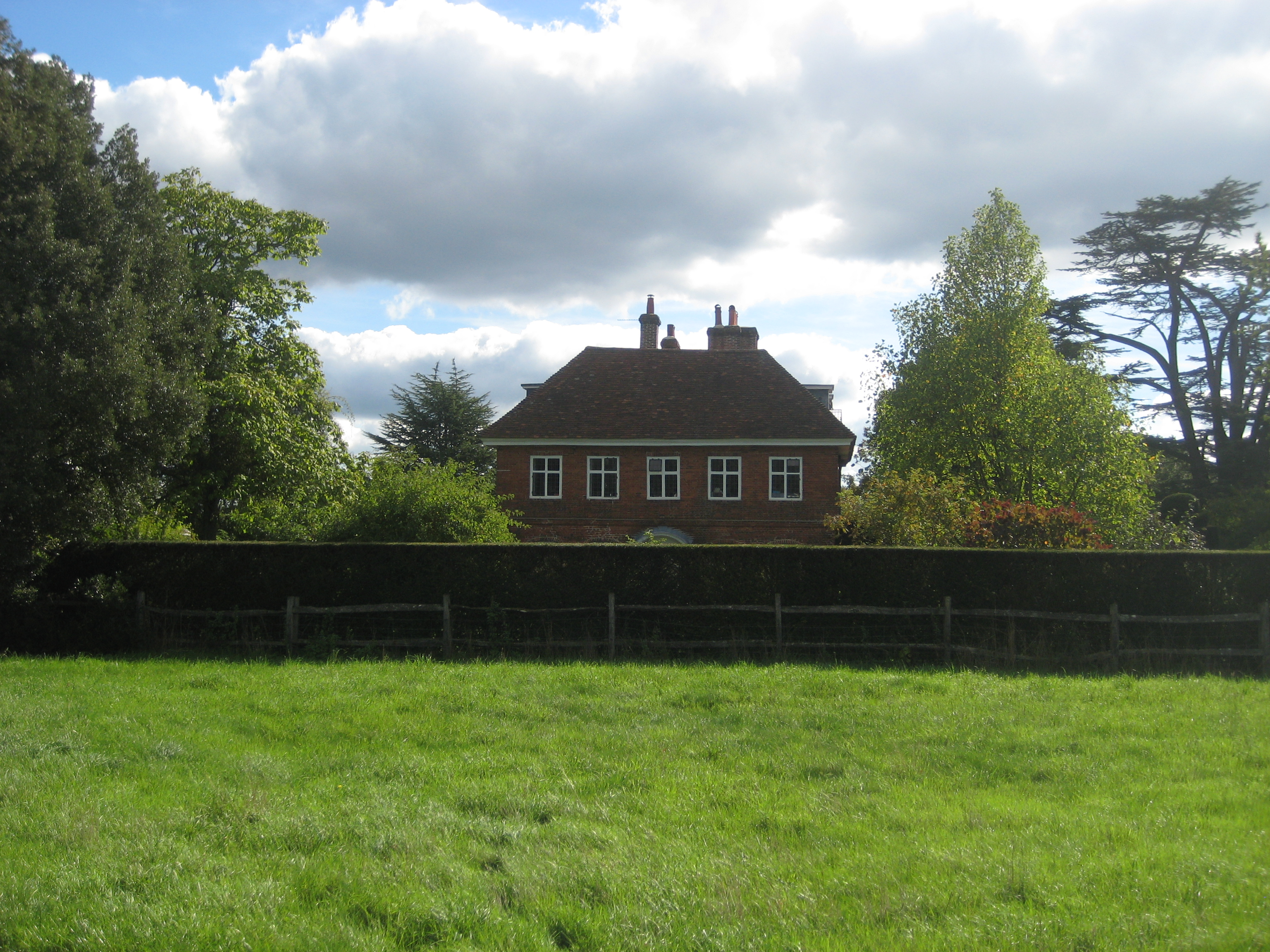FileRangers House Farnham Park