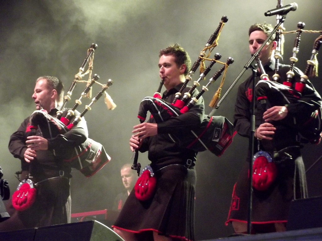 Description red hot chilli pipers life festival o wi cim 2013 6