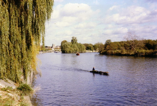 River Thames at Twickenham - geograph.org.uk - 363851