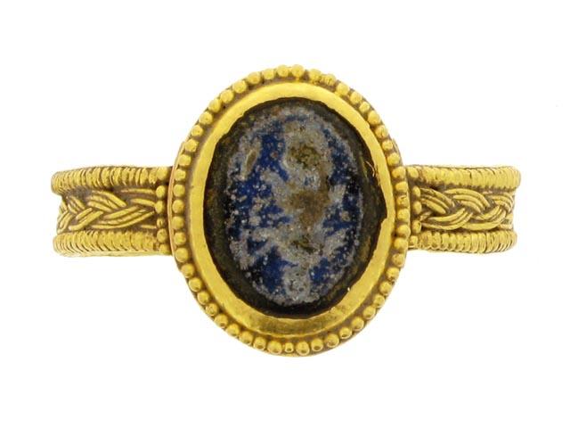 Sapphire Golden Ring Dubai