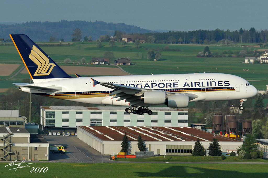 File Singapore A380 Landing In The Runway 34 Of Zurich