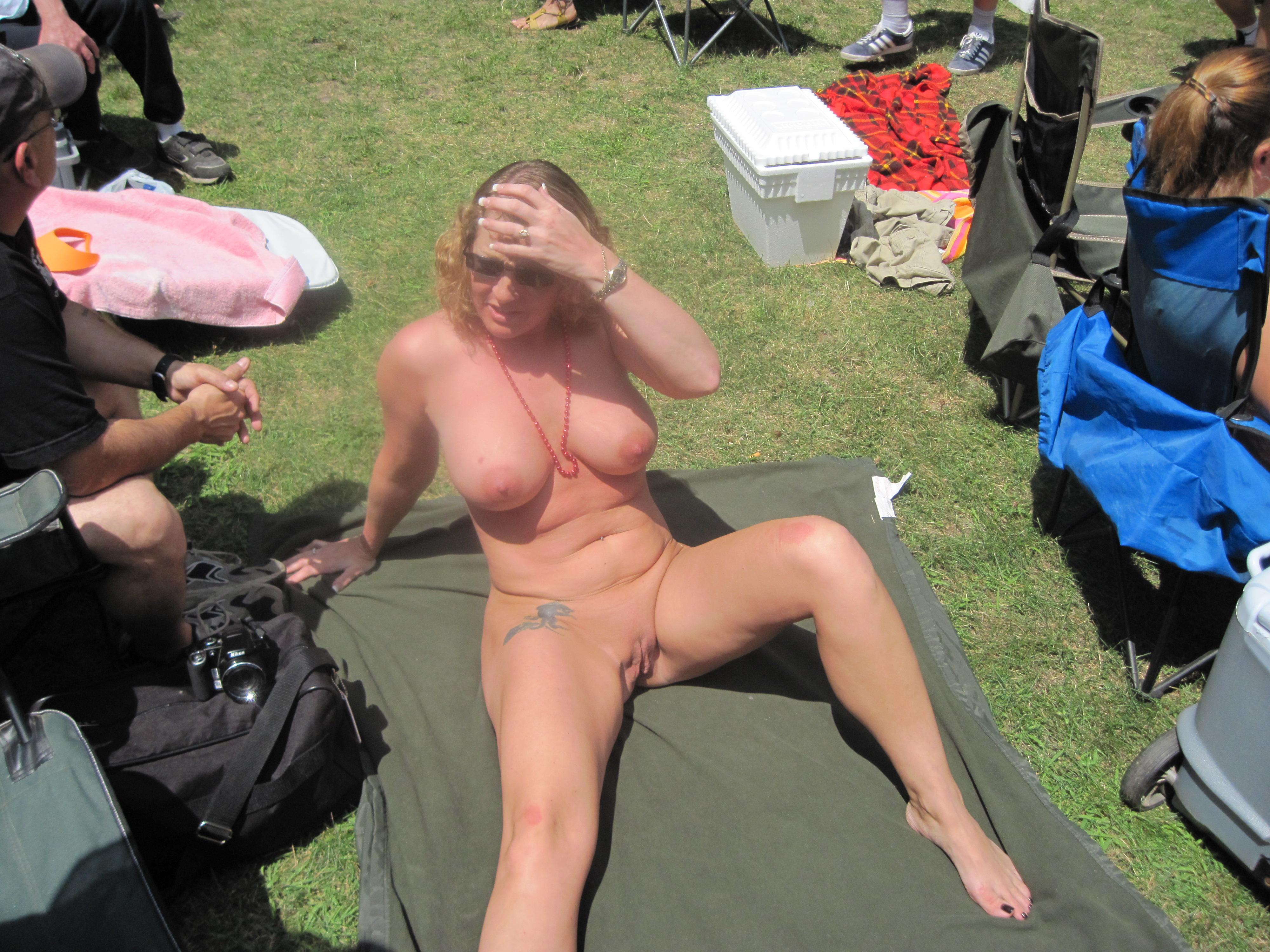 Naked Women Pussy Popin