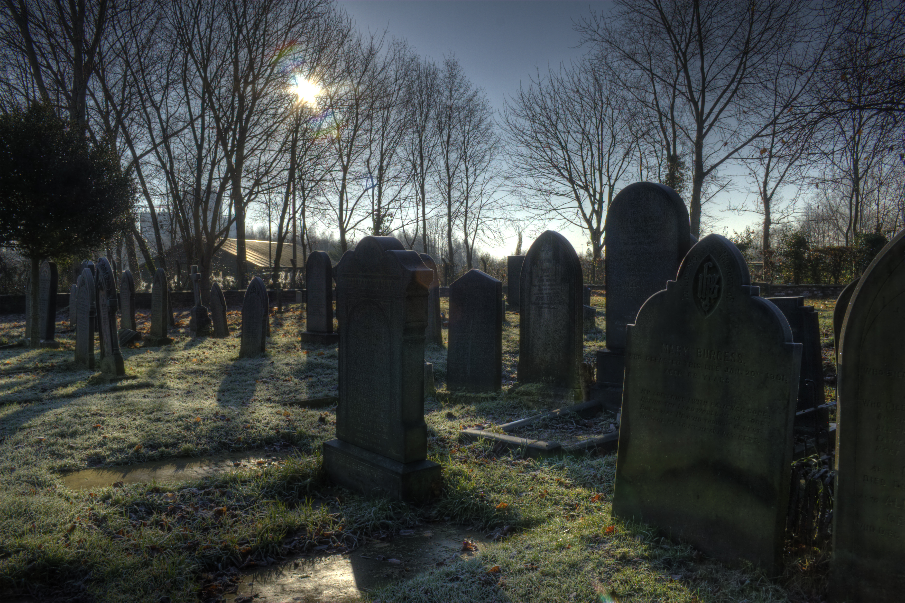 File:St georges church graveyard Carrington Greater Manchester.jpg ...