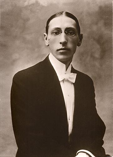 Avant / Après : le temps qui passe ... Stravinsky_Igor_Postcard-1910
